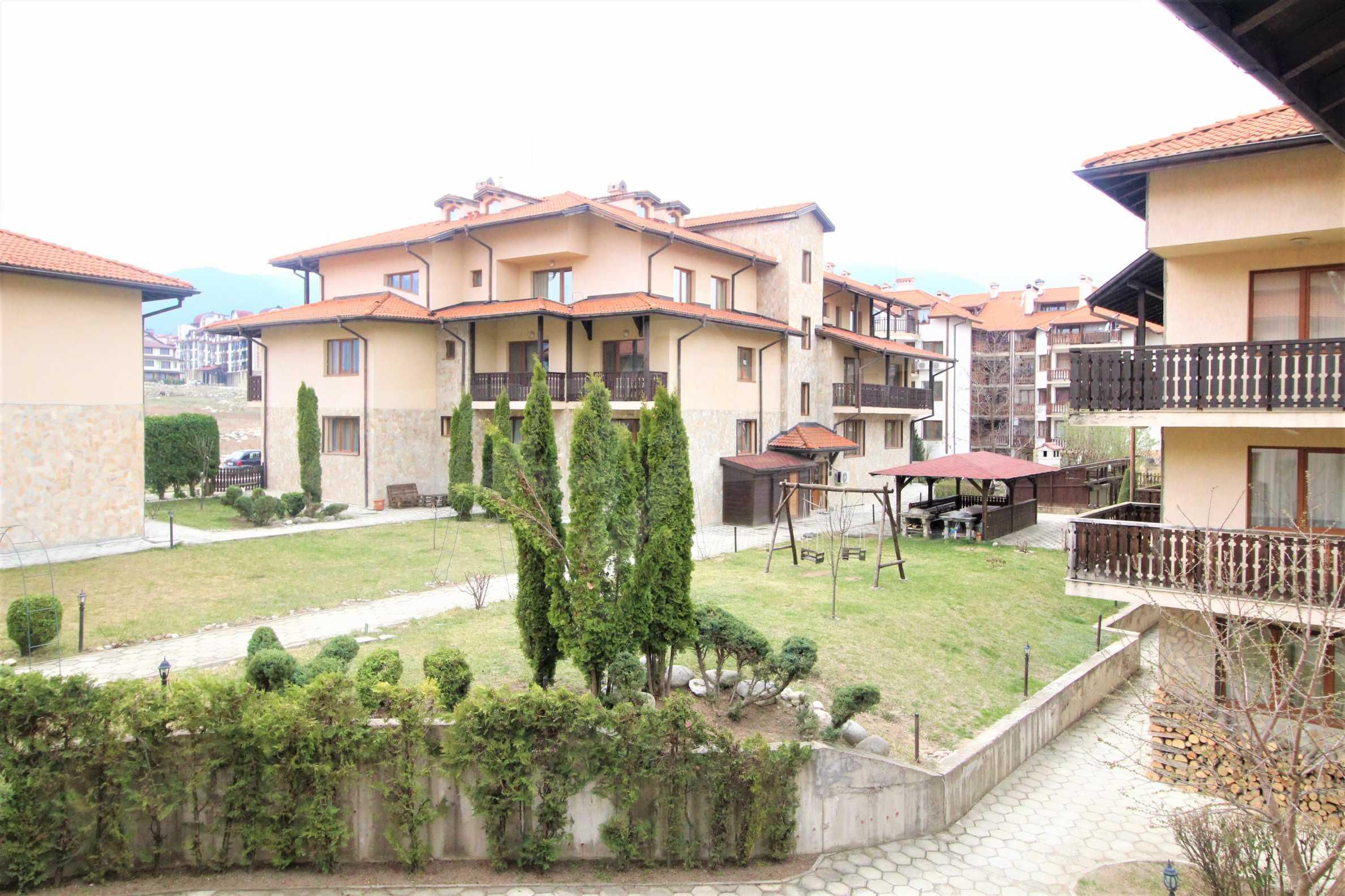 Уютен двустаен апартамент, разположен в комплекс Топ Лодж, само на метри от ски лифта в Банско 13