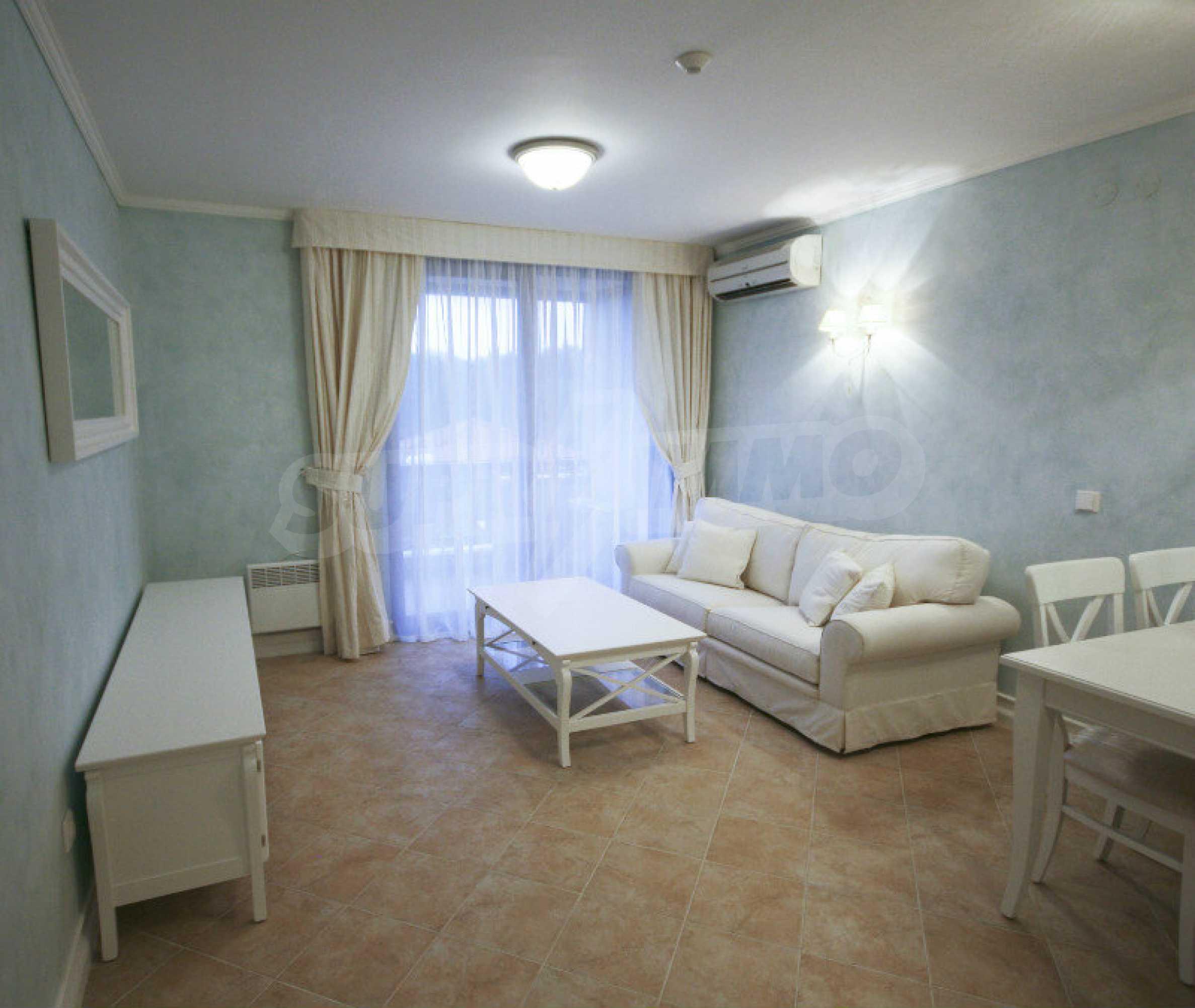 Zwei-Zimmer-Wohnung in einem Komplex in erster Linie in Lozenets 2