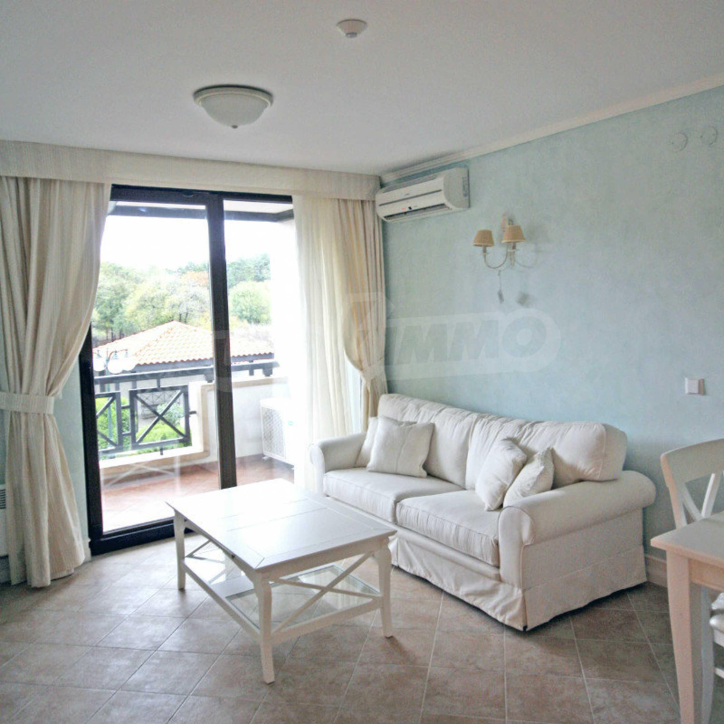 Zwei-Zimmer-Wohnung in einem Komplex in erster Linie in Lozenets 3