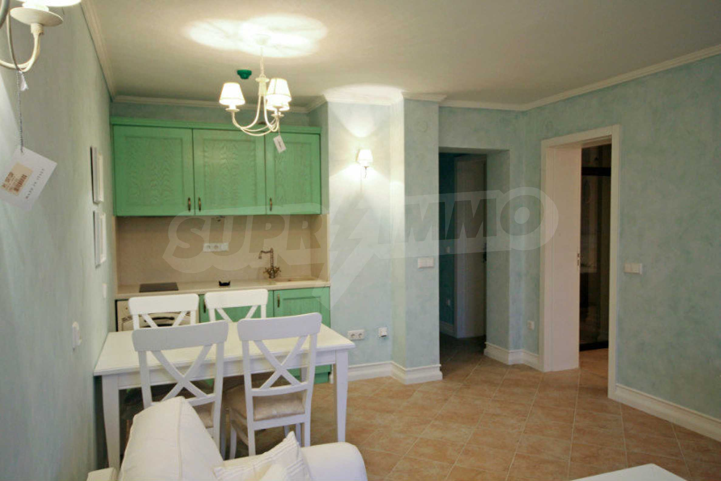 Zwei-Zimmer-Wohnung in einem Komplex in erster Linie in Lozenets 4