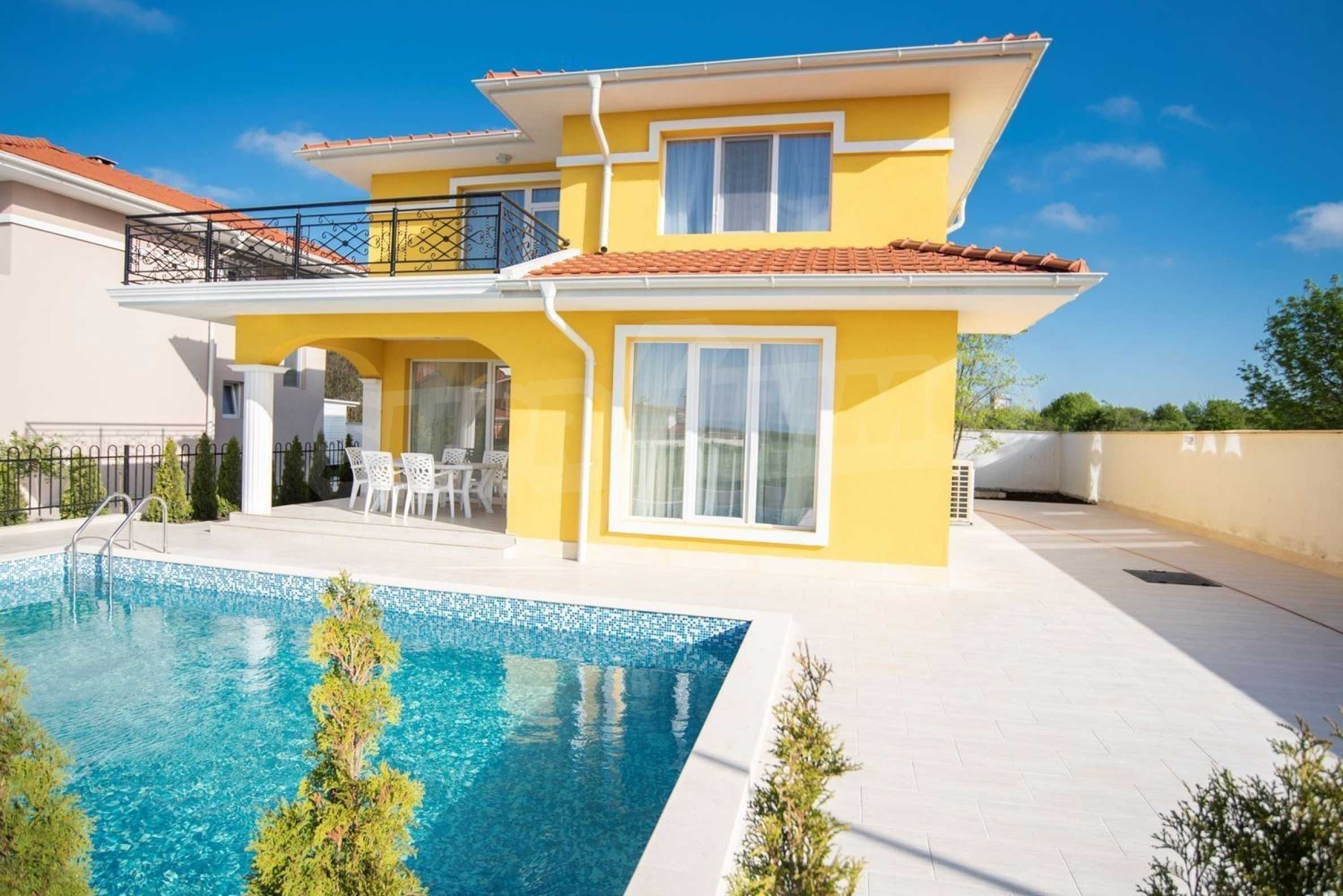 """Villa """"Charming Sun"""" - beautiful garden and pool, sea view and vintage interior 1"""