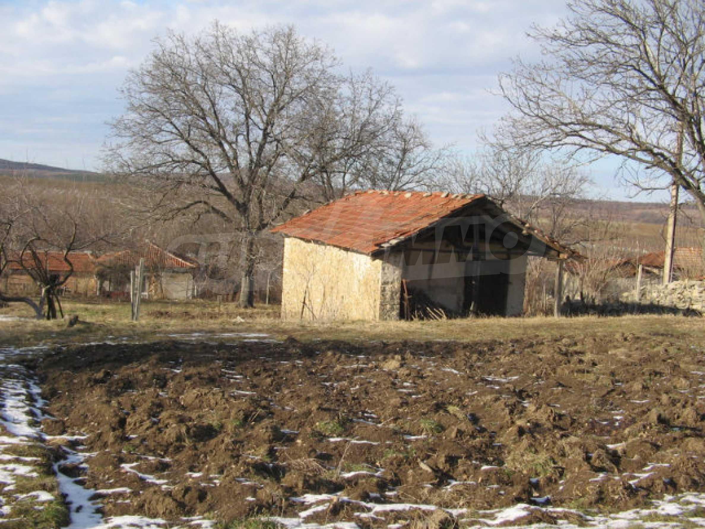 Ein Grundstück zum Verkauf in einem Dorf 32 km von Kardjali entfernt 9