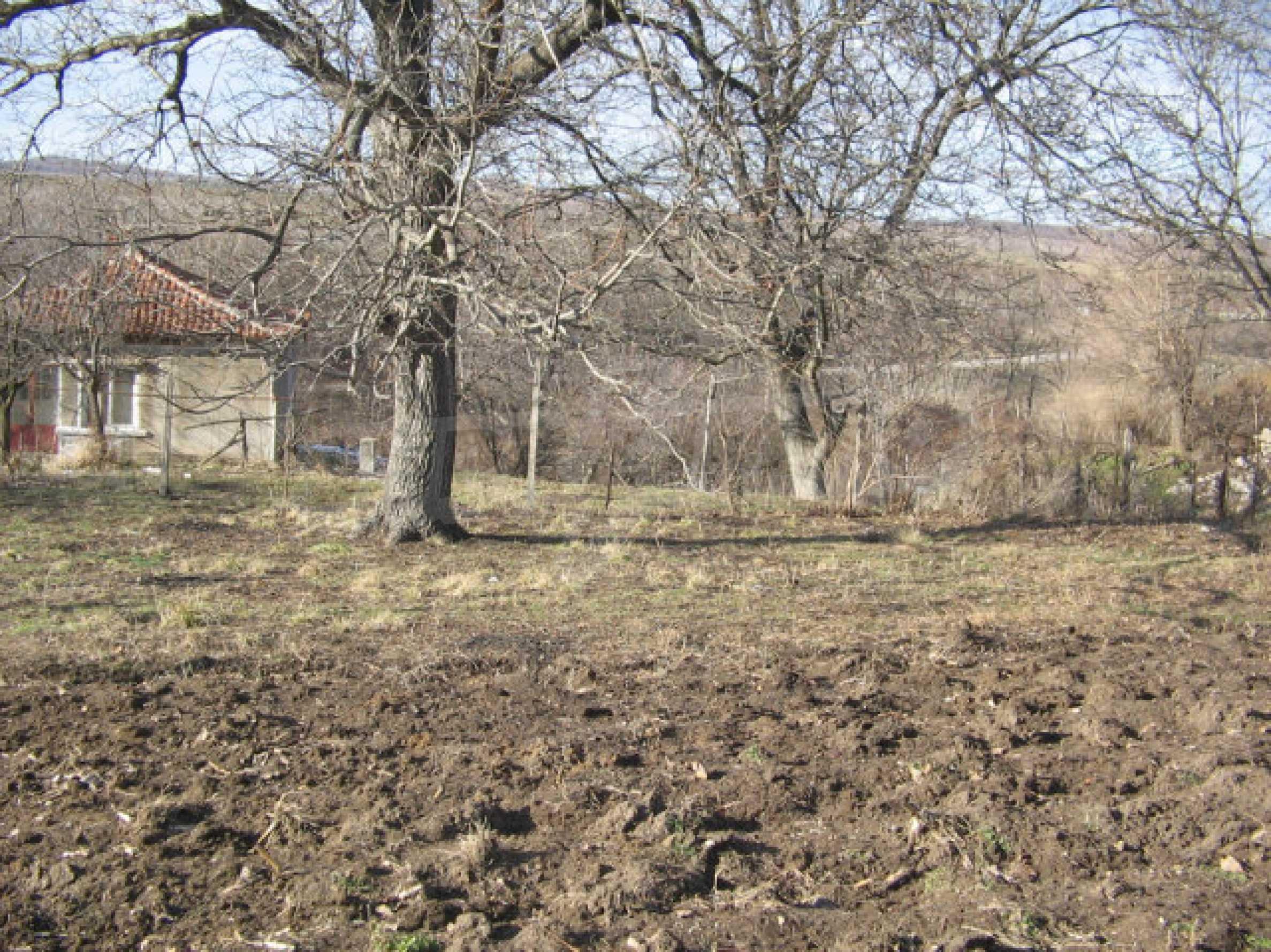 Ein Grundstück zum Verkauf in einem Dorf 32 km von Kardjali entfernt 4