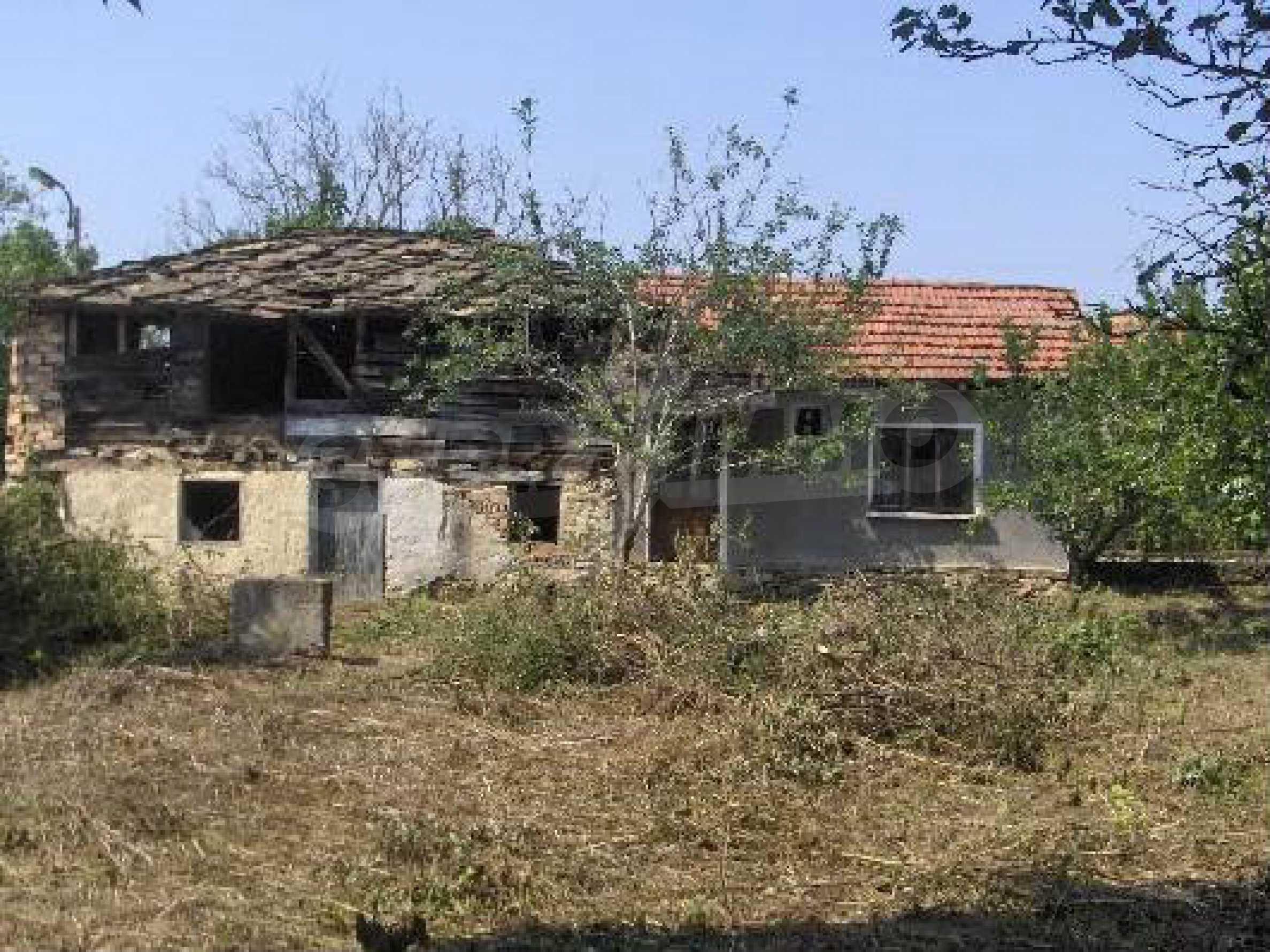 Einstöckiges Haus mit Garten 12 km von der Stadt Sevlievo entfernt