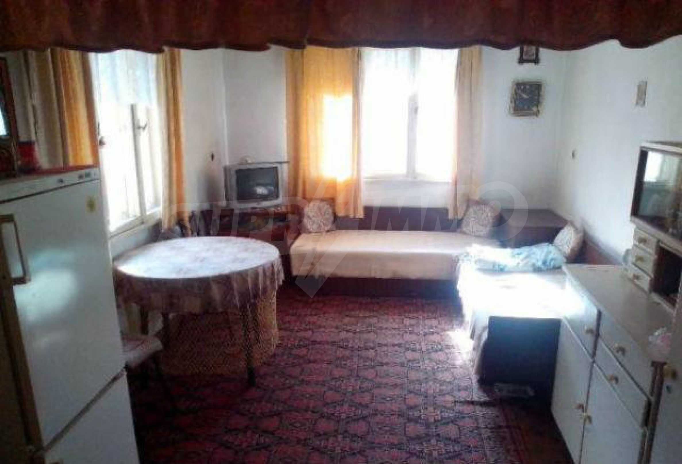Mehrere Eigenschaften in einem gemeinsamen Hof, in einem Dorf 9 km von der Stadt Troyan entfernt 4