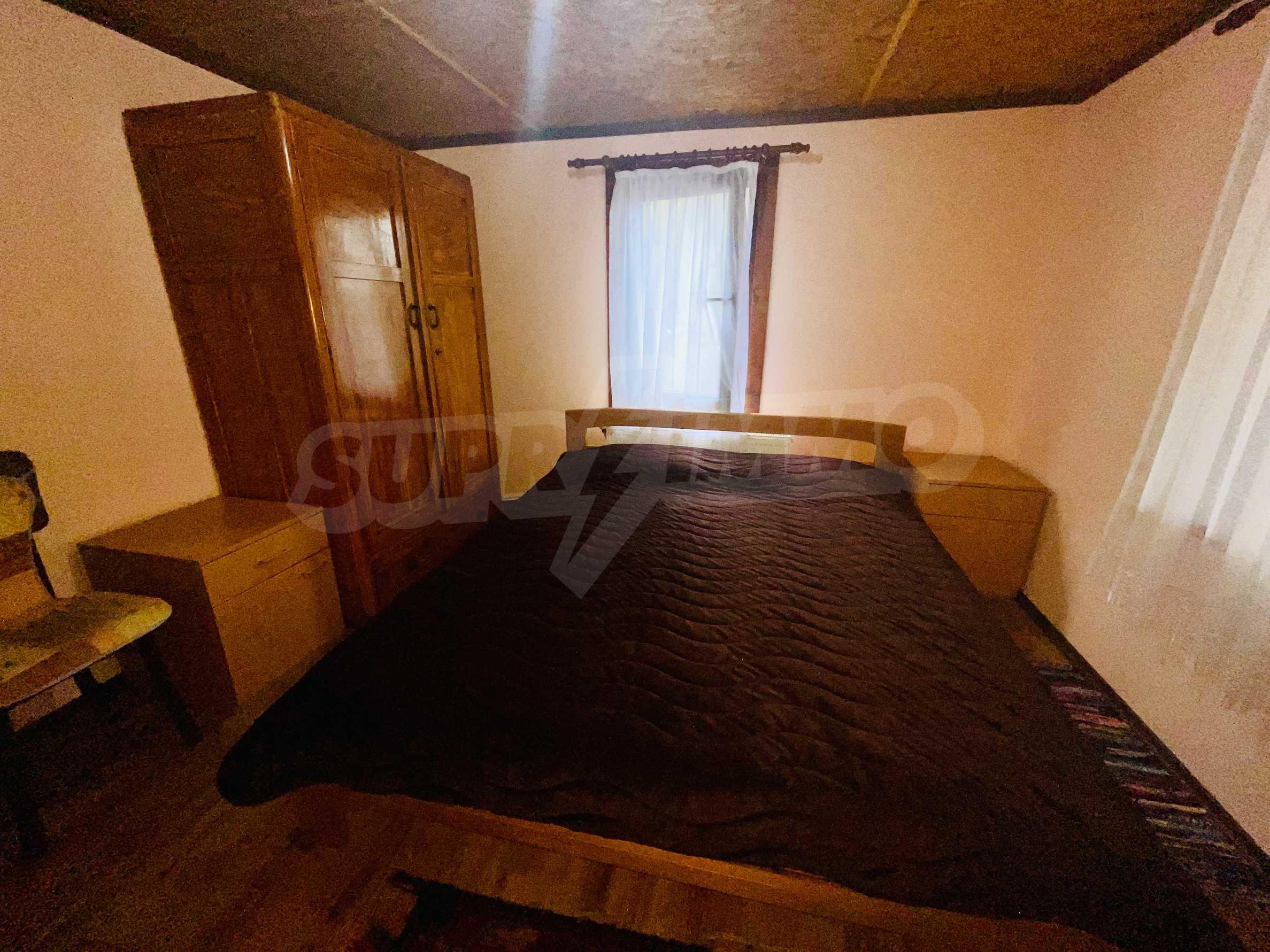 Прекрасна къща с баскетболно игрище в китна махала на гр.Трявна 21