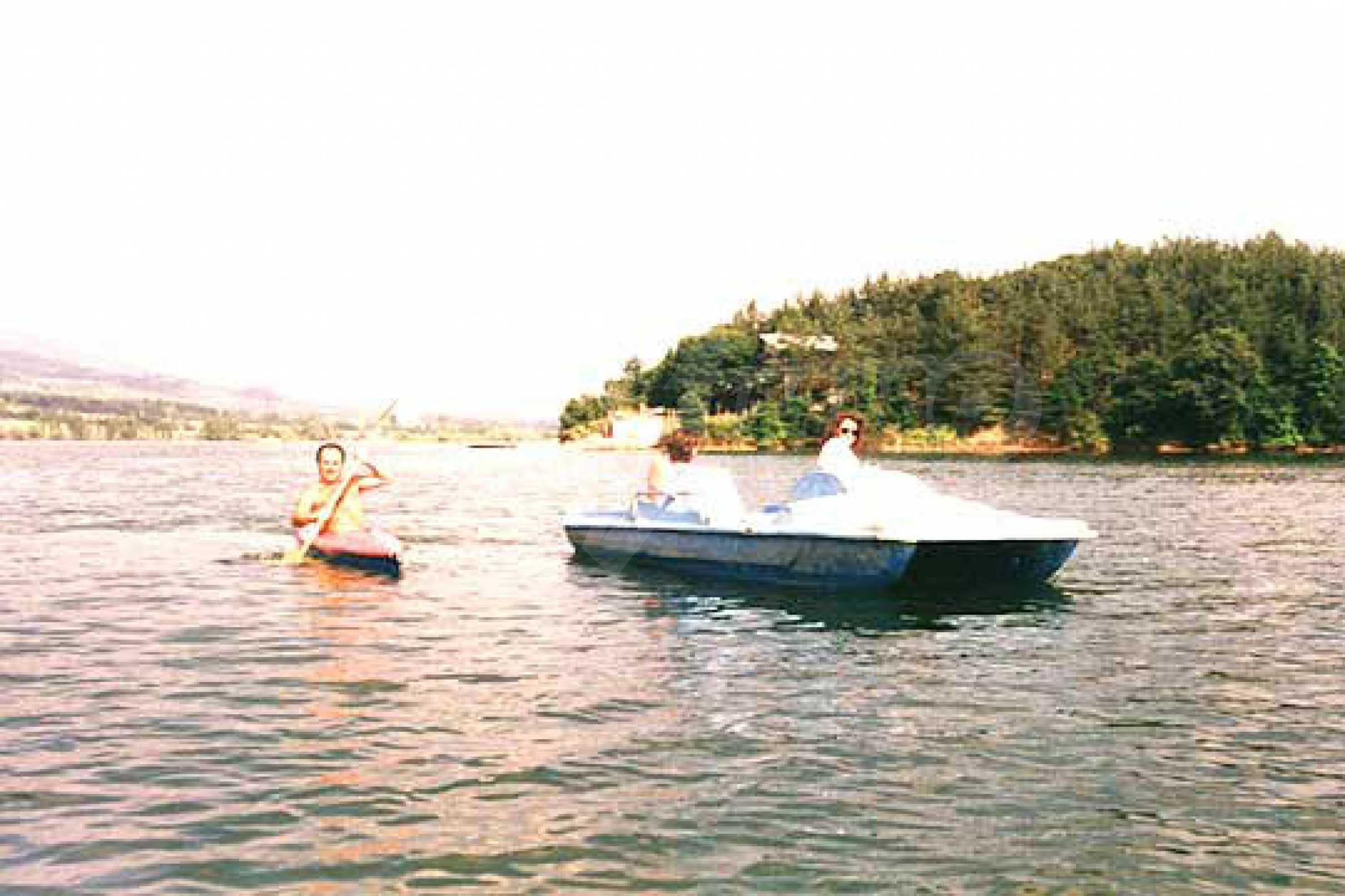 Zweistöckiges Anwesen in der Nähe eines Sees und auf dem Balkan 9