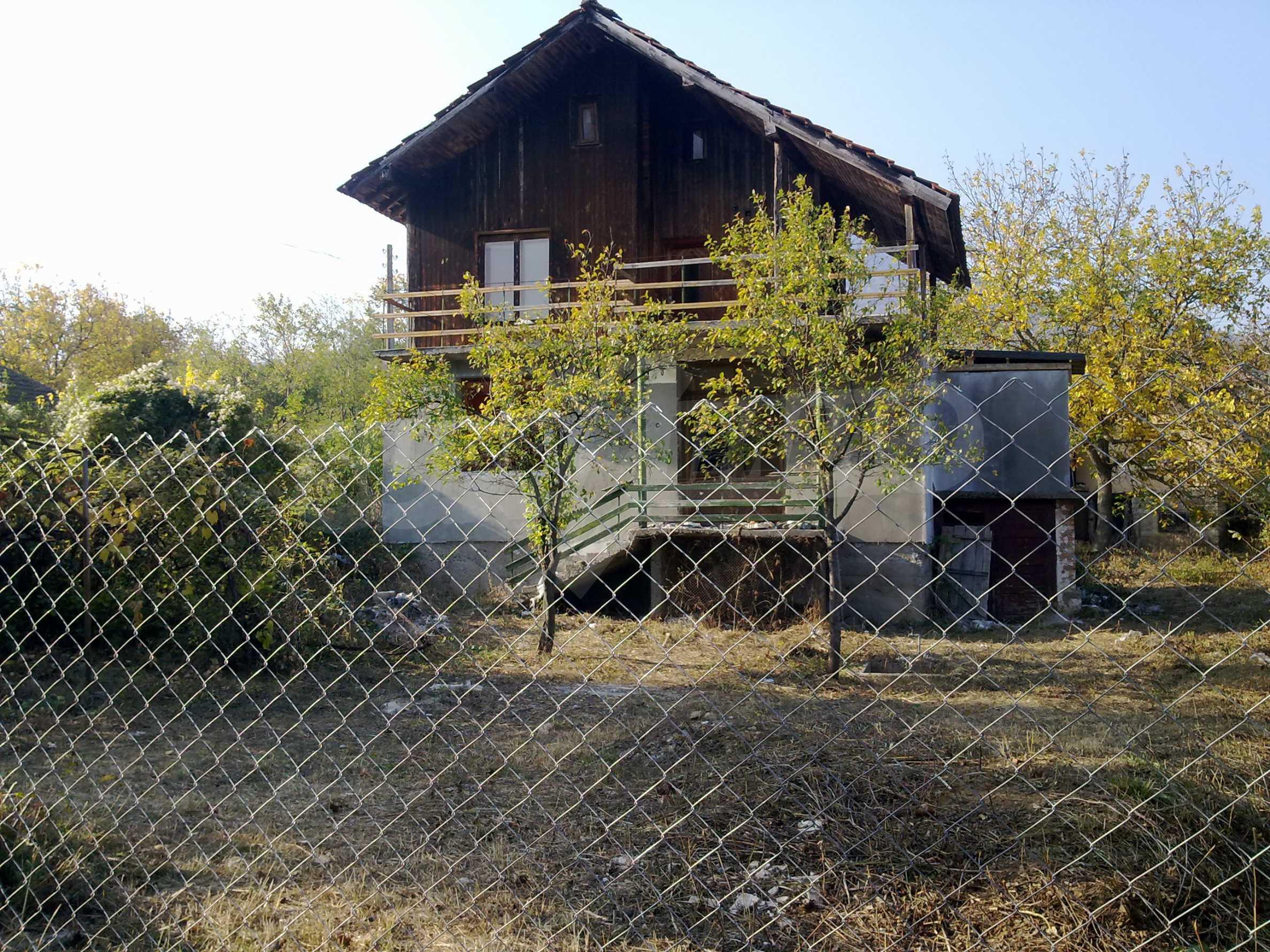 Zweistöckige Villa mit Garten 20 km von Belogradchik entfernt 1