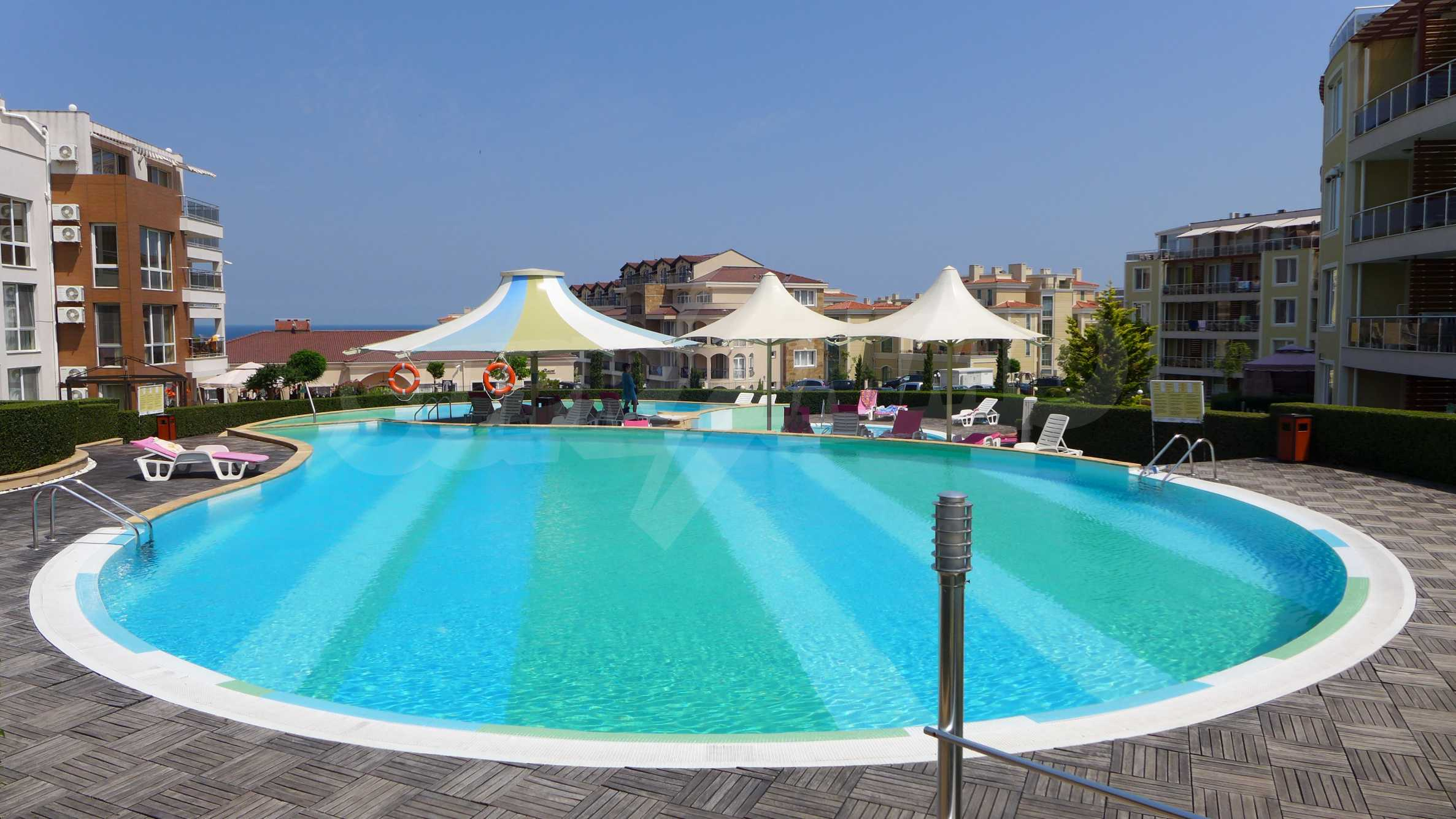 Комплекс «Sunny Island» в Черноморец 3