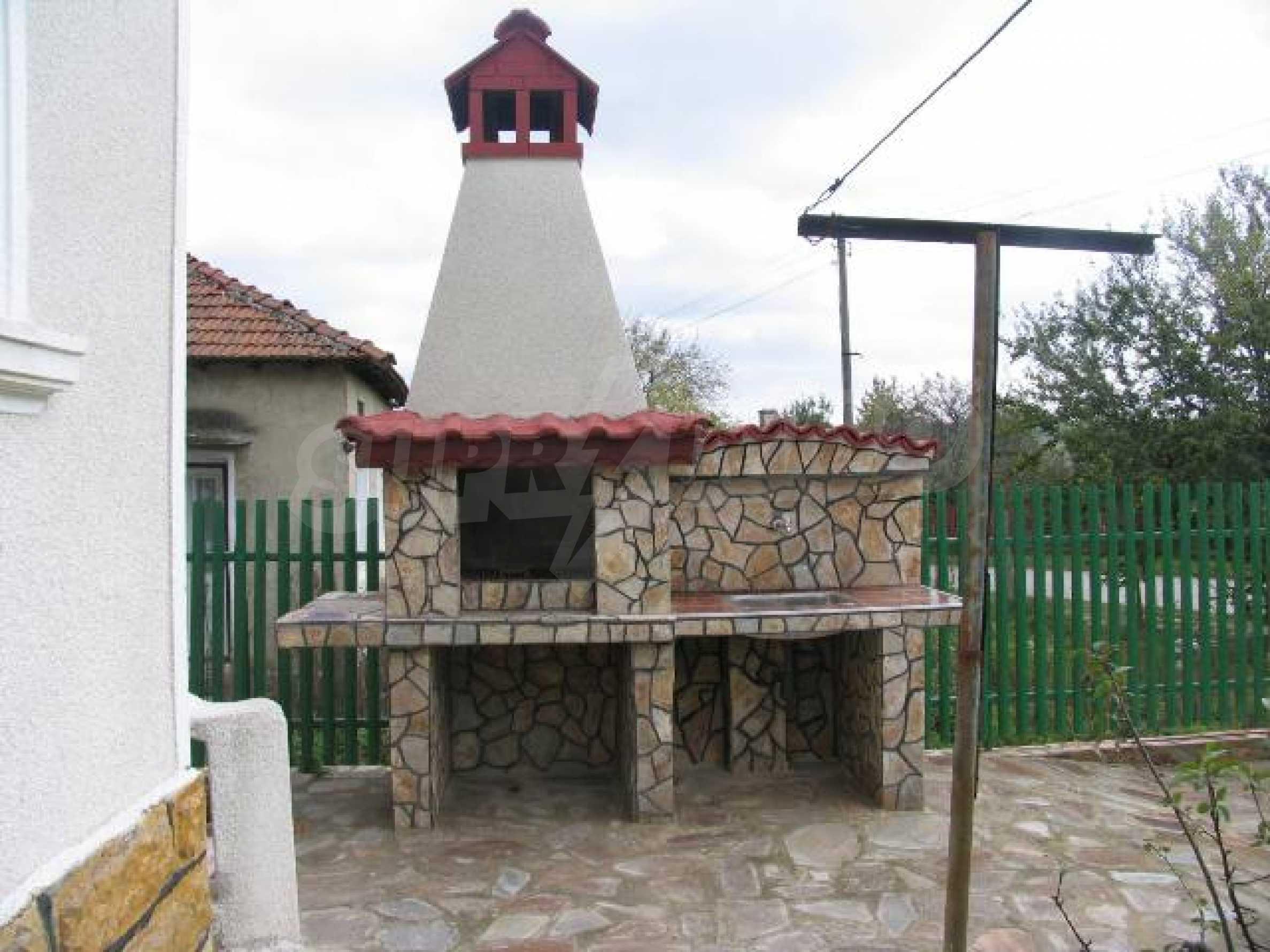 Къща за продажба в с. Козлодуйци на 60 км. от морето 7