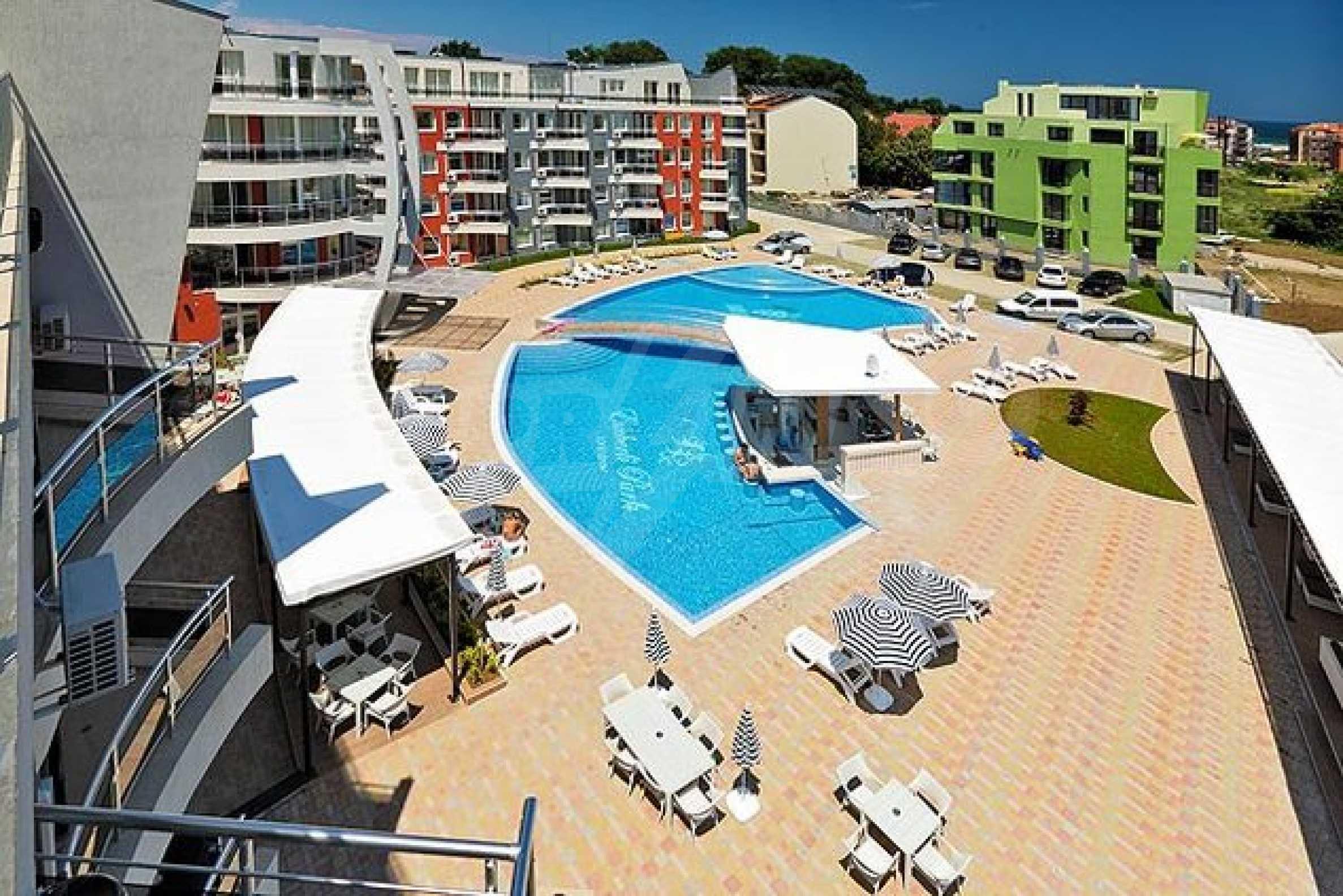 Einrichtung mit Restaurant, Bar und Pool-Bar im Meer-Kurort Lozenets 20