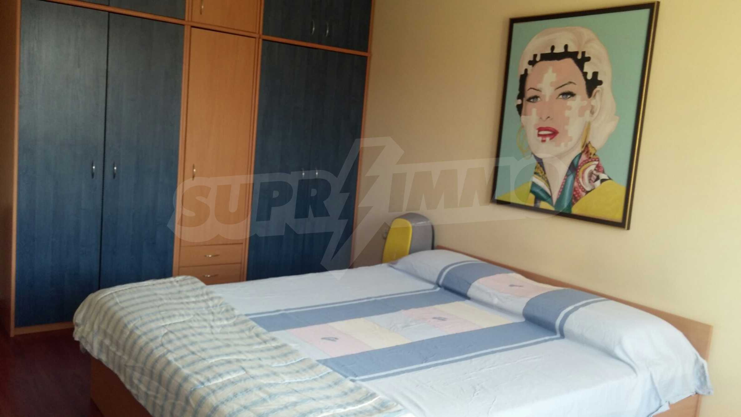 Spacious apartment in the city center 4