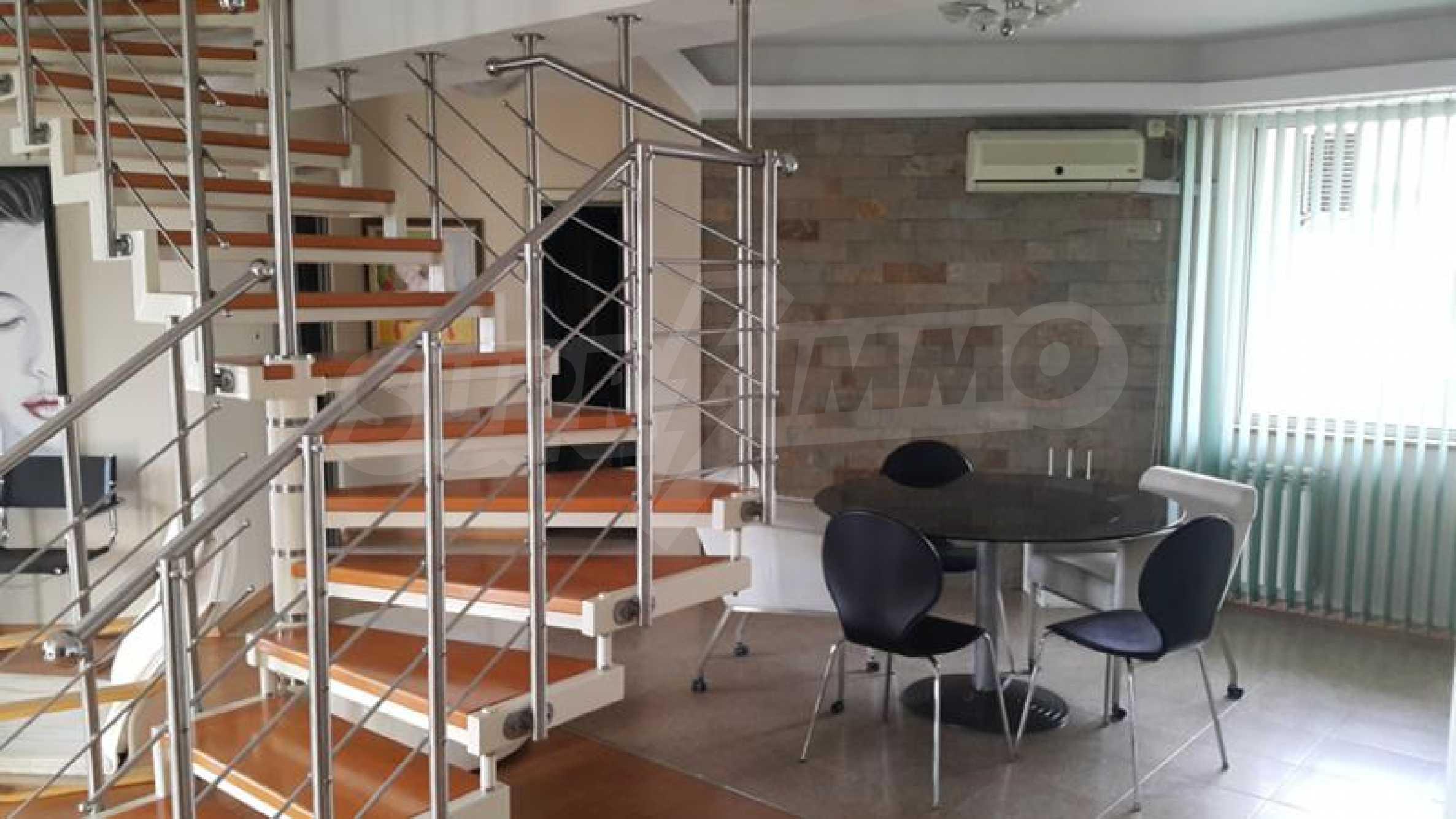 Мезонет с четири спални в централната част на гр. Пловдив 3