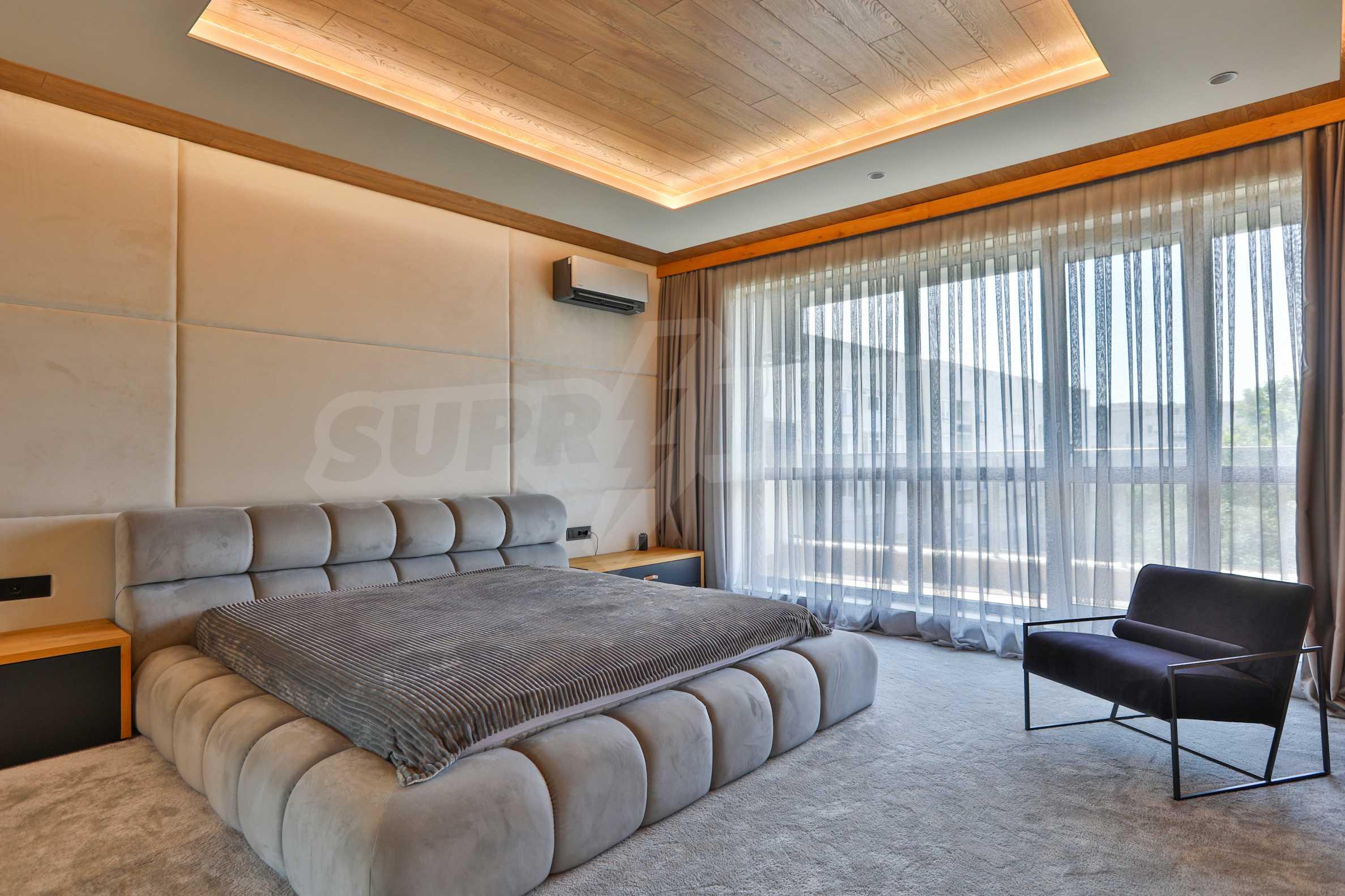 Дизайнерски обзаведен многостаен апартамент 8