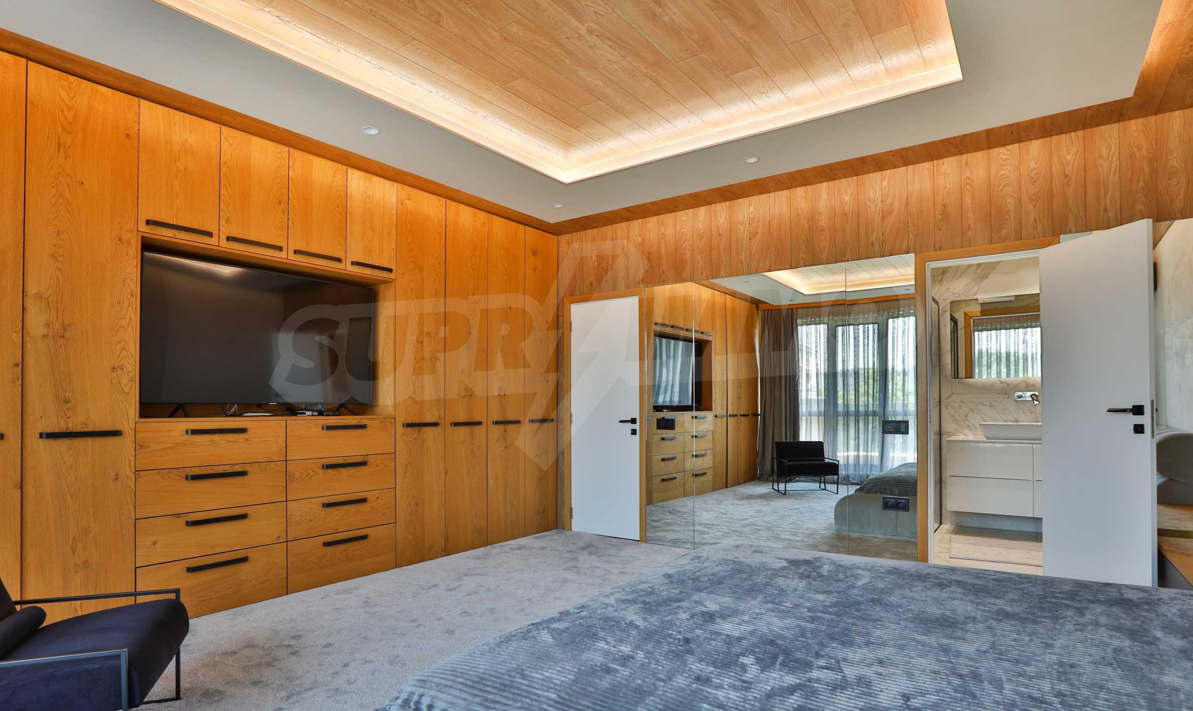 Дизайнерски обзаведен многостаен апартамент 9