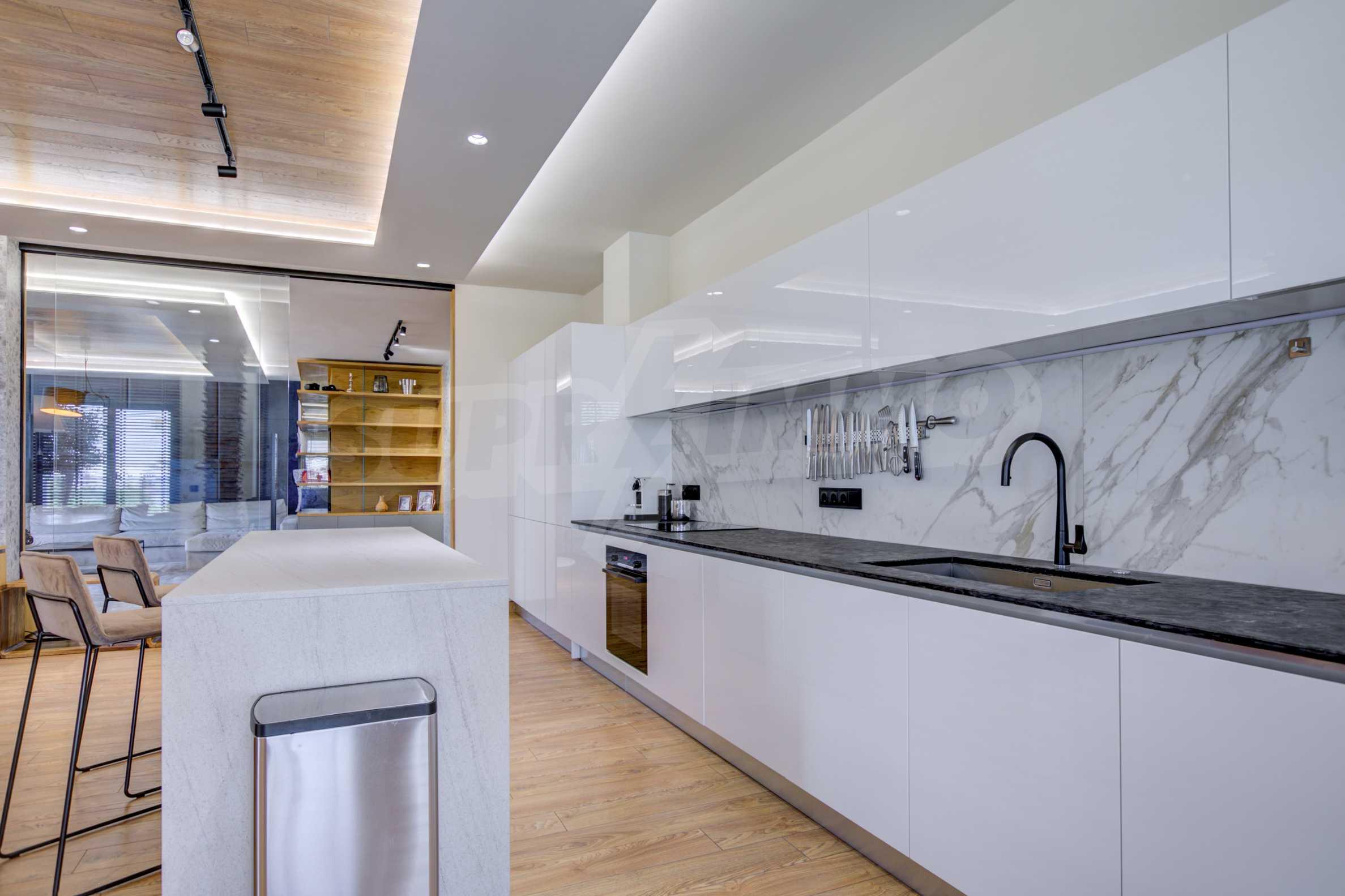 Дизайнерски обзаведен многостаен апартамент 5