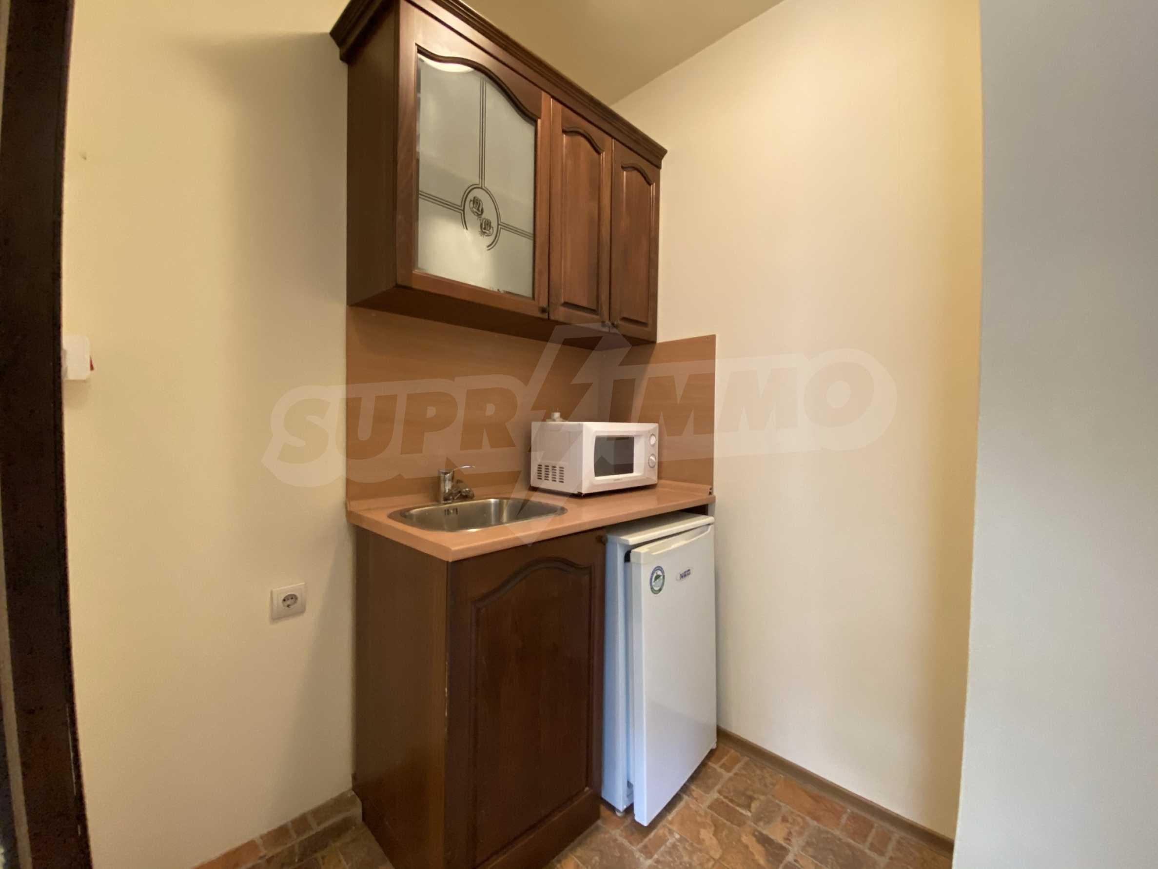 Обзаведен едностаен апартамент в затворен комплекс в Банско 2
