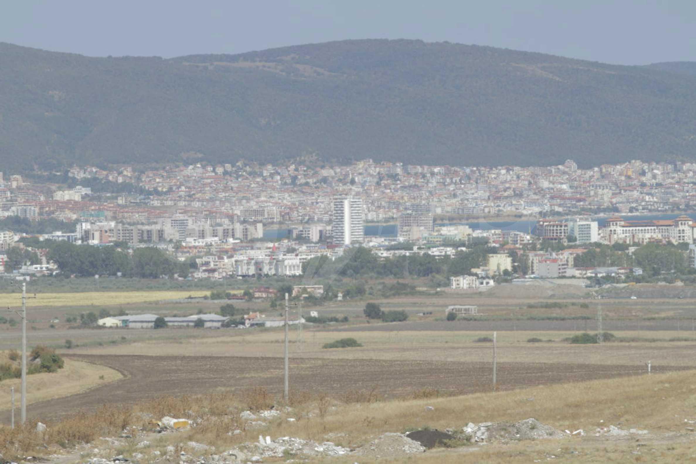 Attraktives Grundstück für Investieren in der Nähe des historischen Komplexes Aheloy 917 und Sonnenstrand, bei Tankowo und Aheloy 42