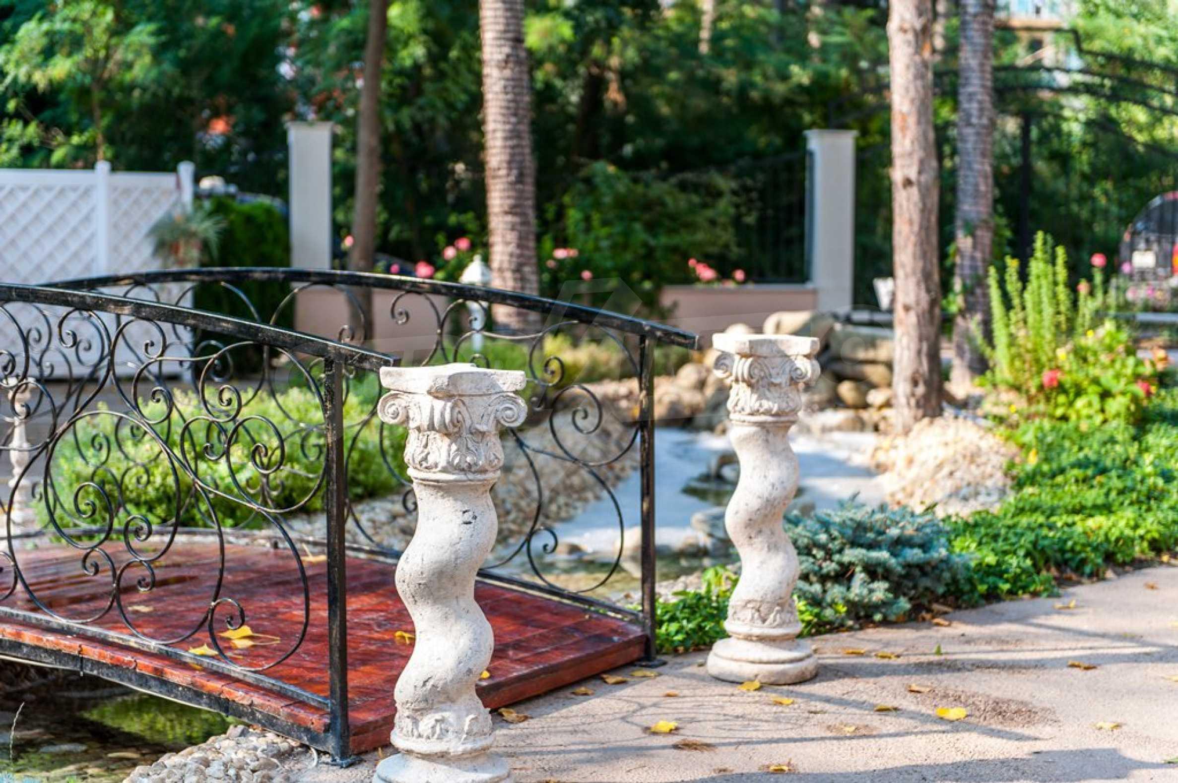 Dawn Park Königlicher Venera Palast 25