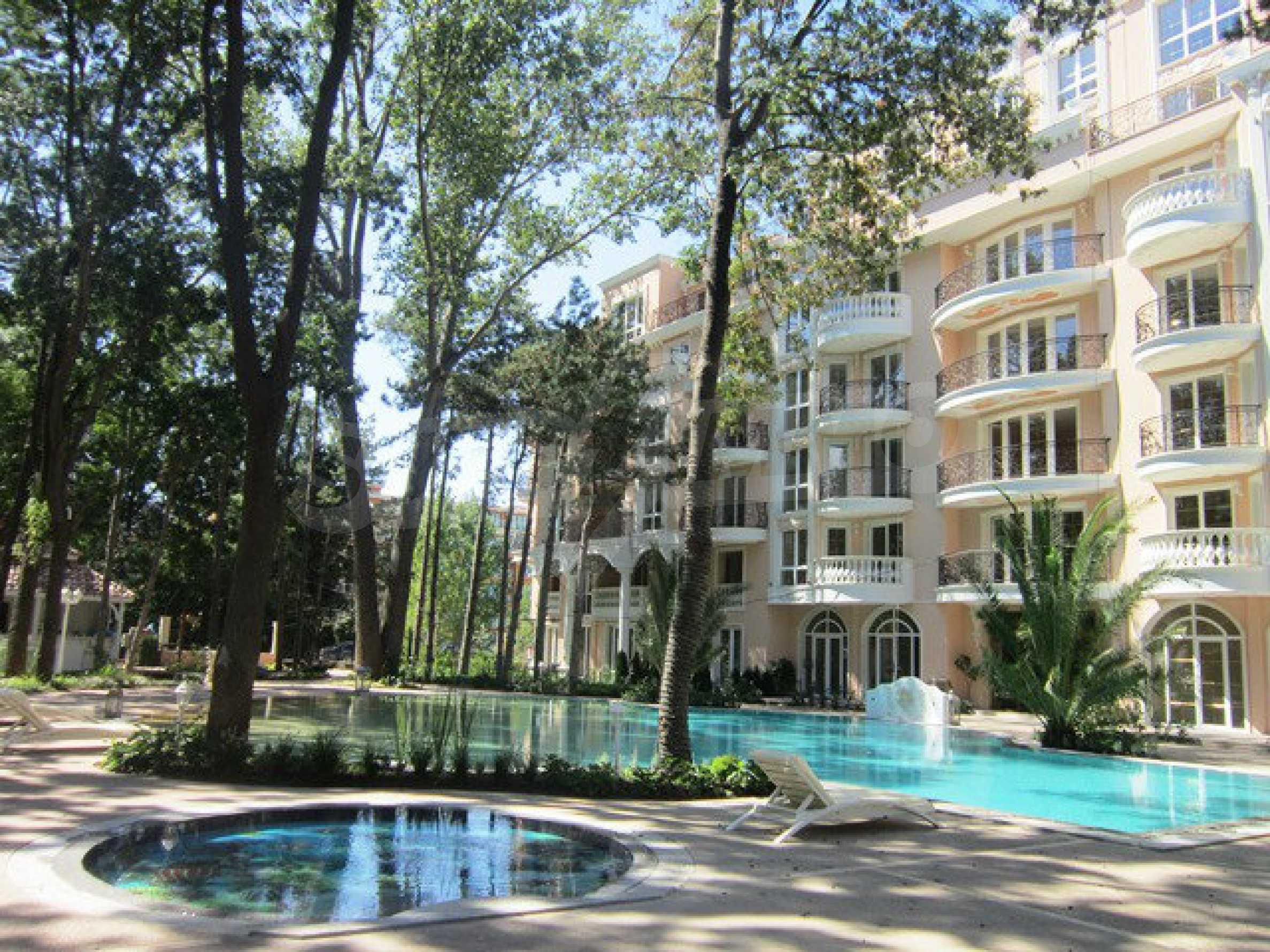 Dawn Park Royal Venera Palace 44