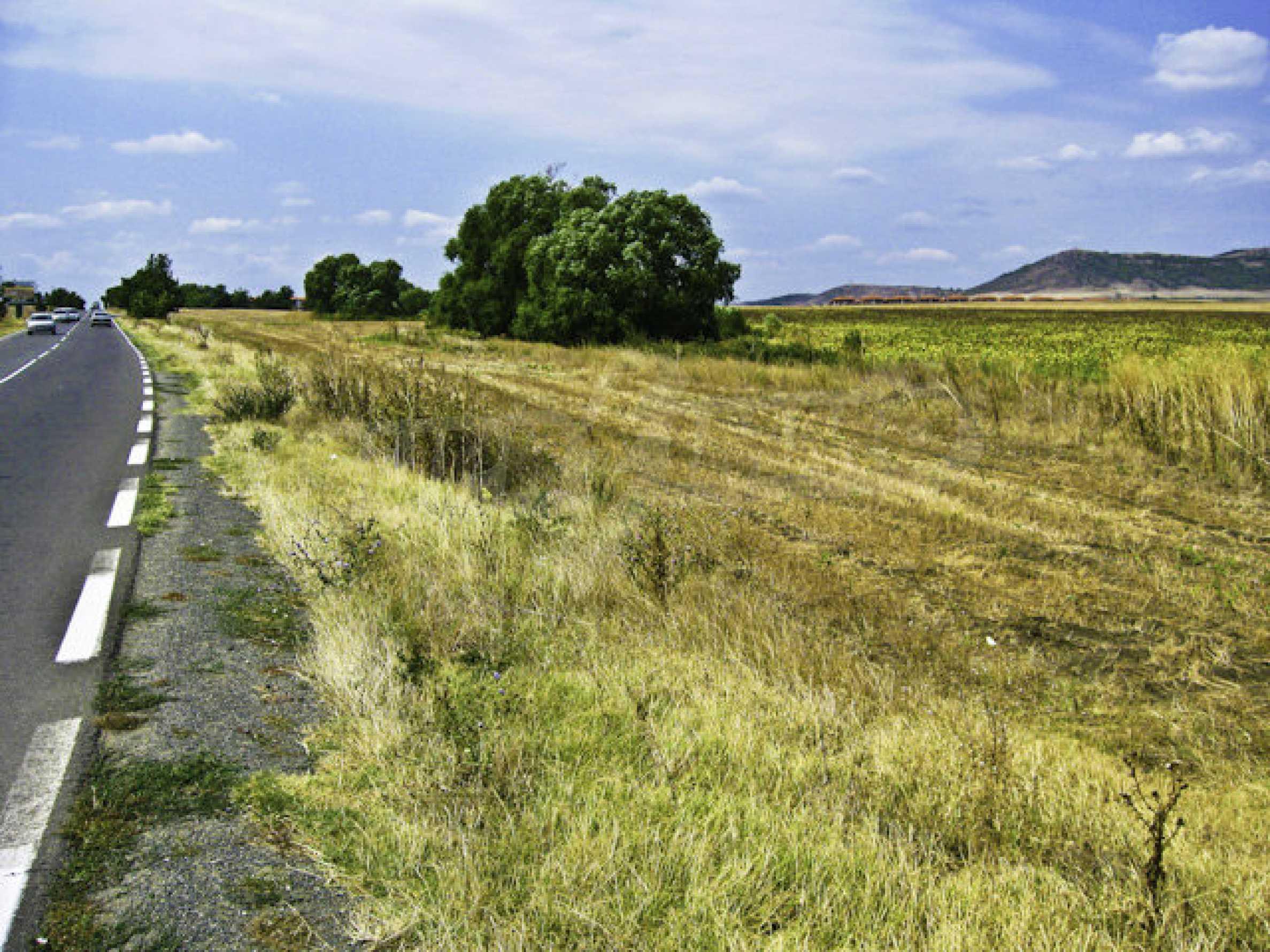 Geregeltes Grundstück in der Nähe des Badeortes Sonnenstrand 3