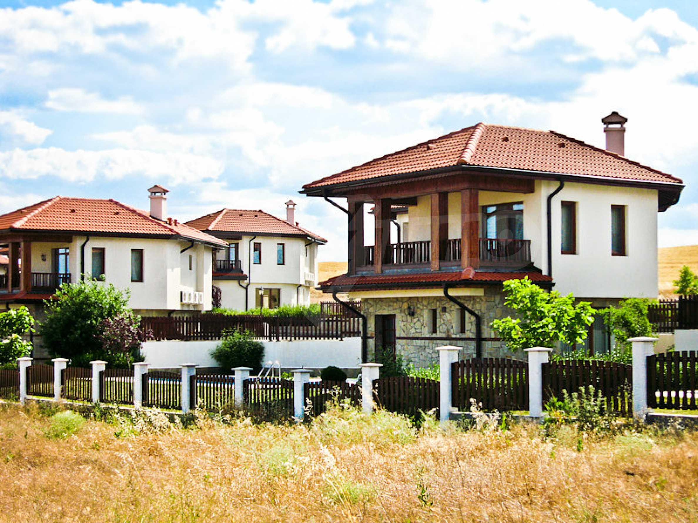 Reguliertes Grundstück 3 km vom Schwarzen Meer entfernt 1
