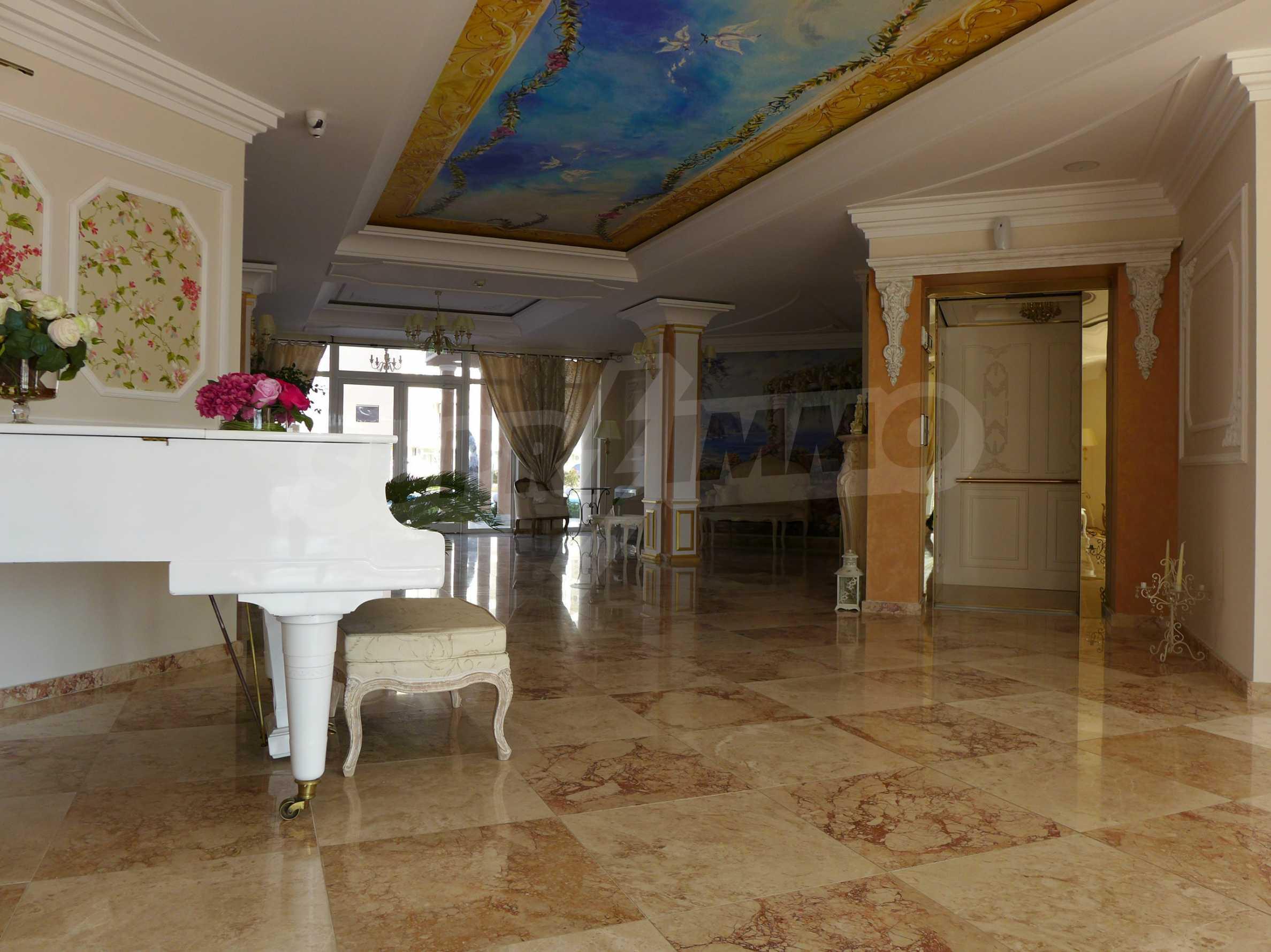 Dawn Park Izida Palace 34