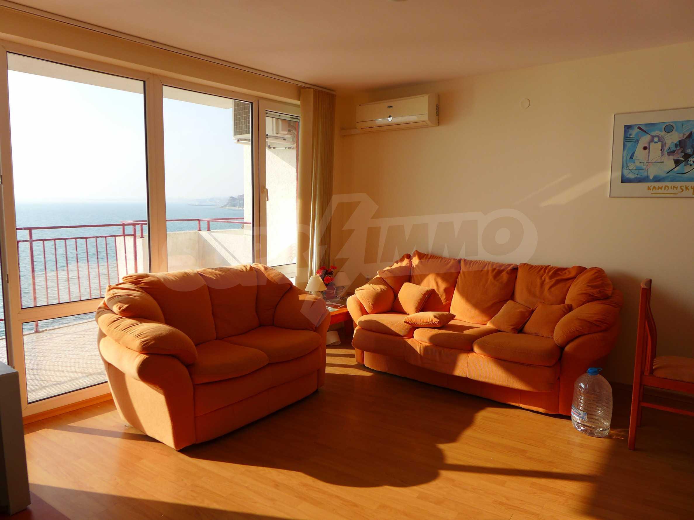 Ausgezeichnete Wohnung in erster Linie mit Meerblick 4