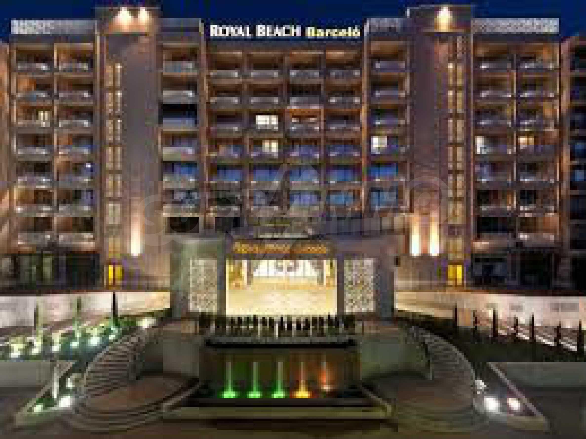 Royal Beach Barcelo 20