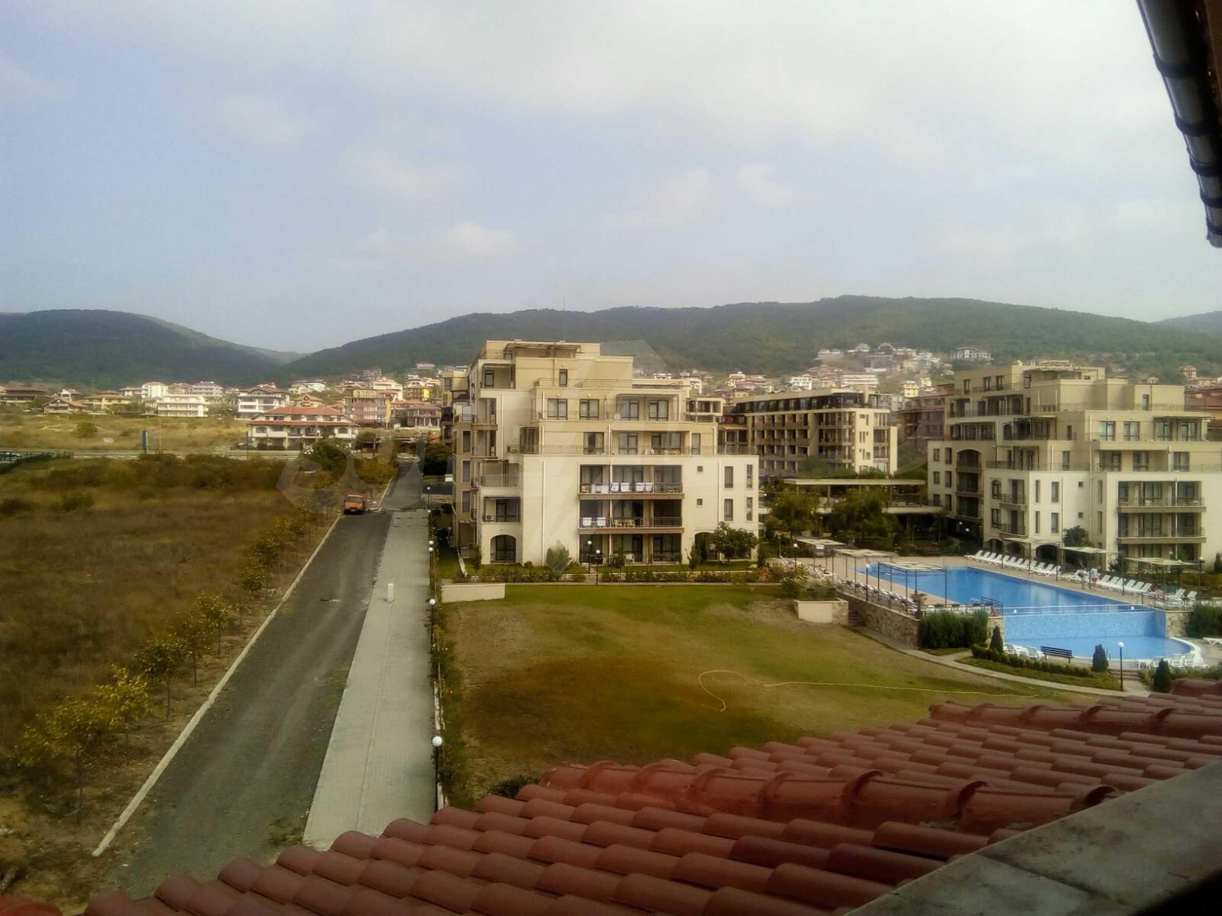 Стилен четиристаен апартамент само на сто метра от плажа, Свети Влас 12