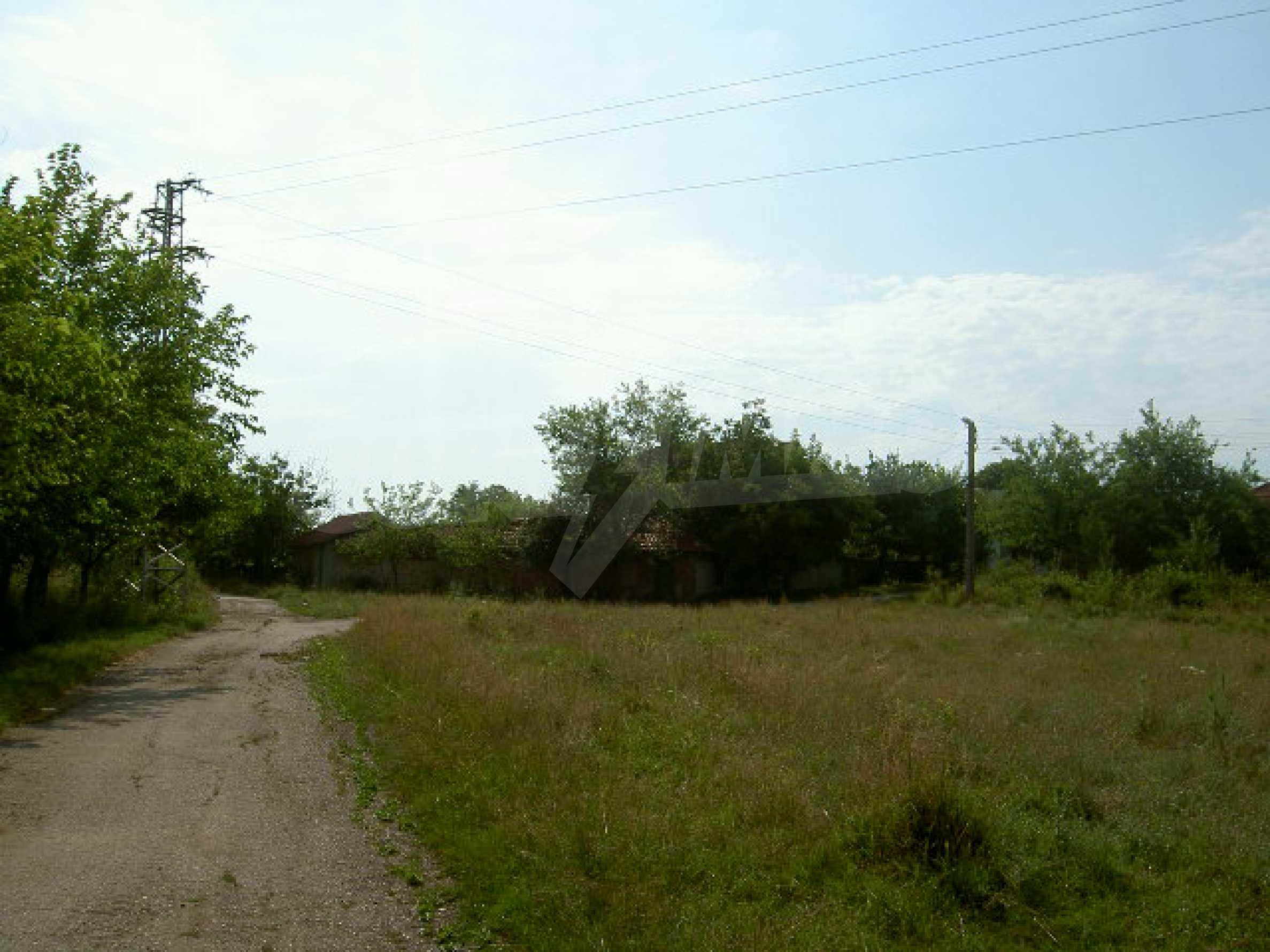Земельный участок рядом с г. Велико Тырново 8