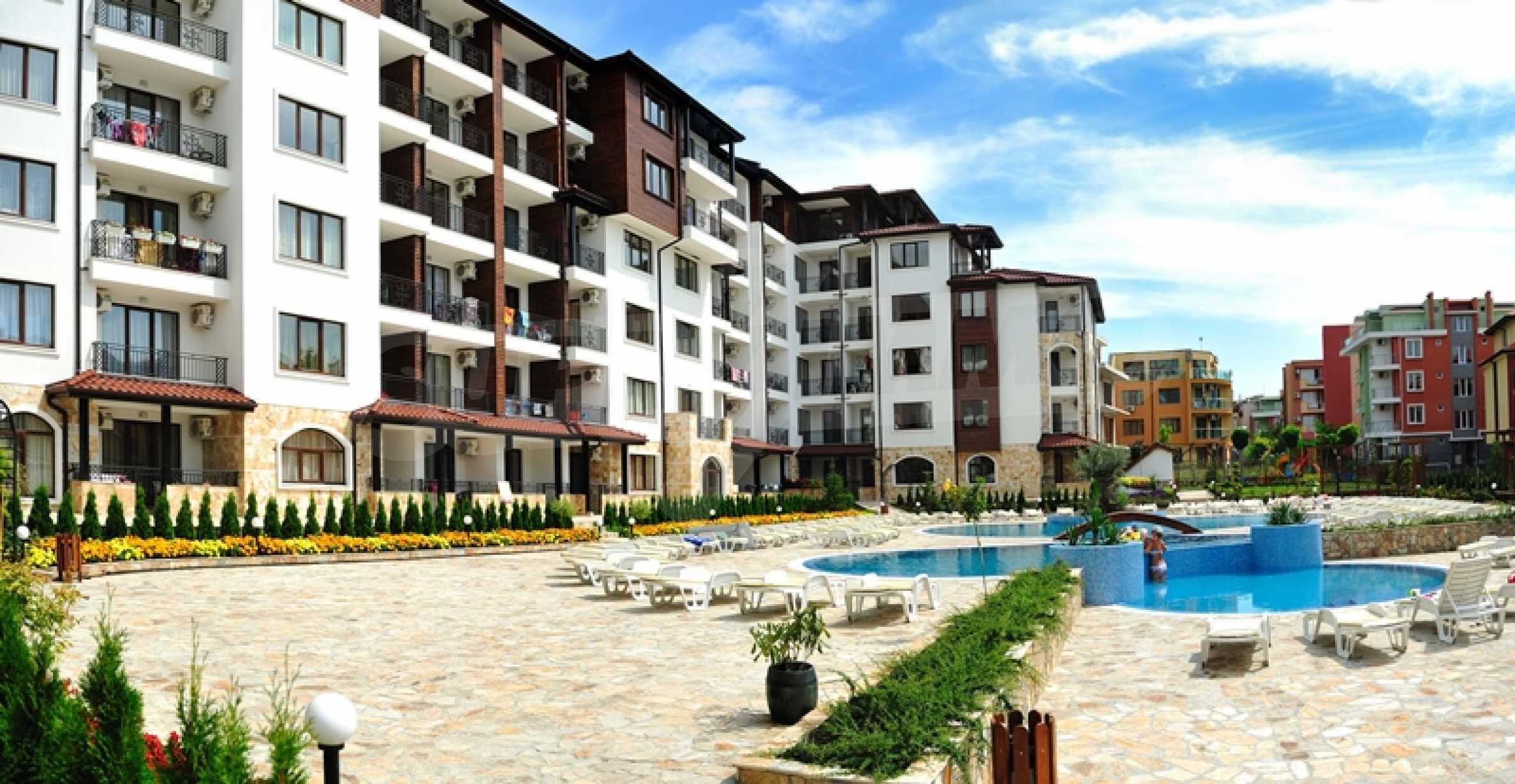 Apartments in einem fertigen Komplex in der Nähe des Strandes von Ravda, in der Nähe der Stadt Nessebar