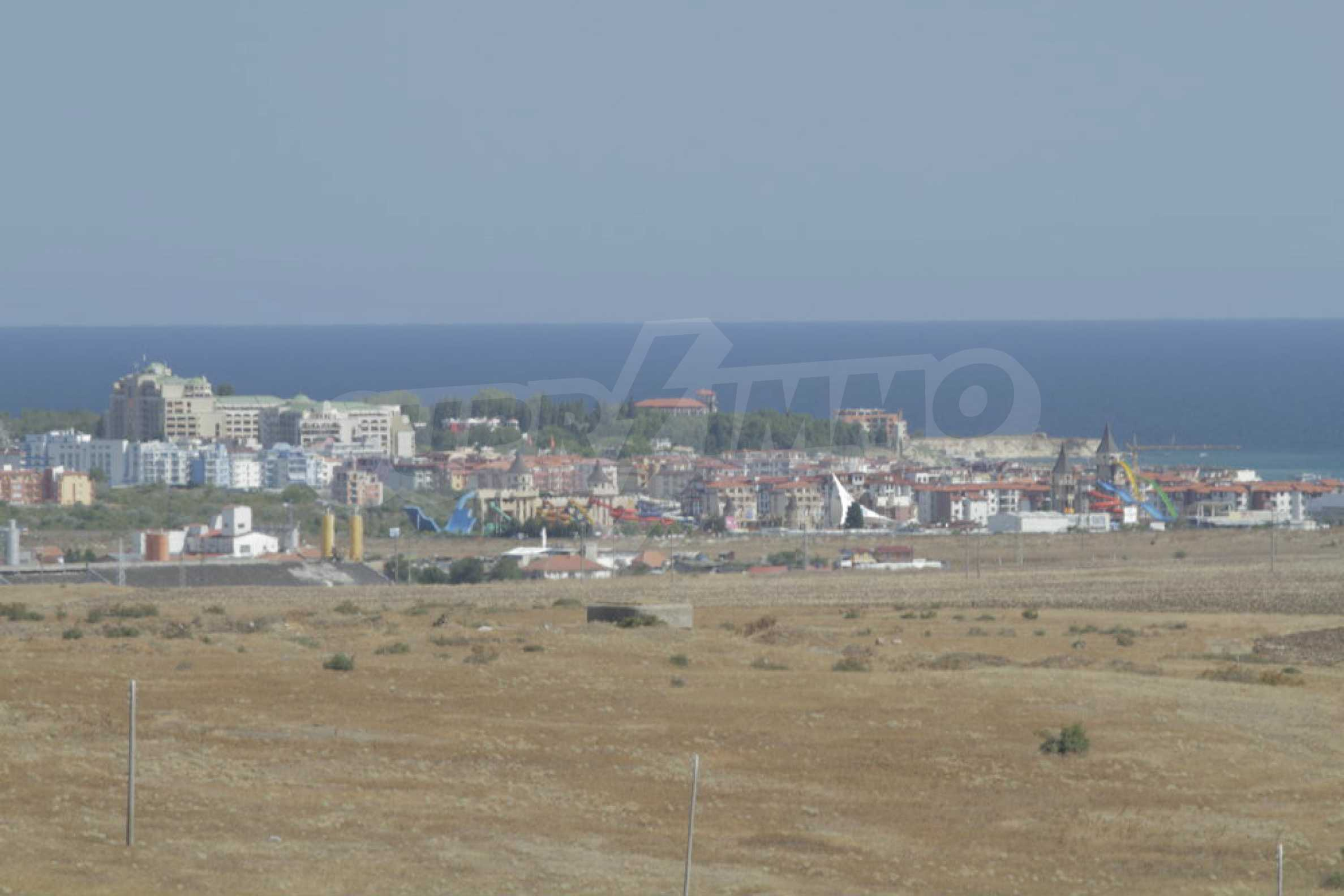 Парцел за инвестиция до исторически комплекс Ахелой 917, на няколко км от Слънчев бряг, до Тънково и Ахелой 21