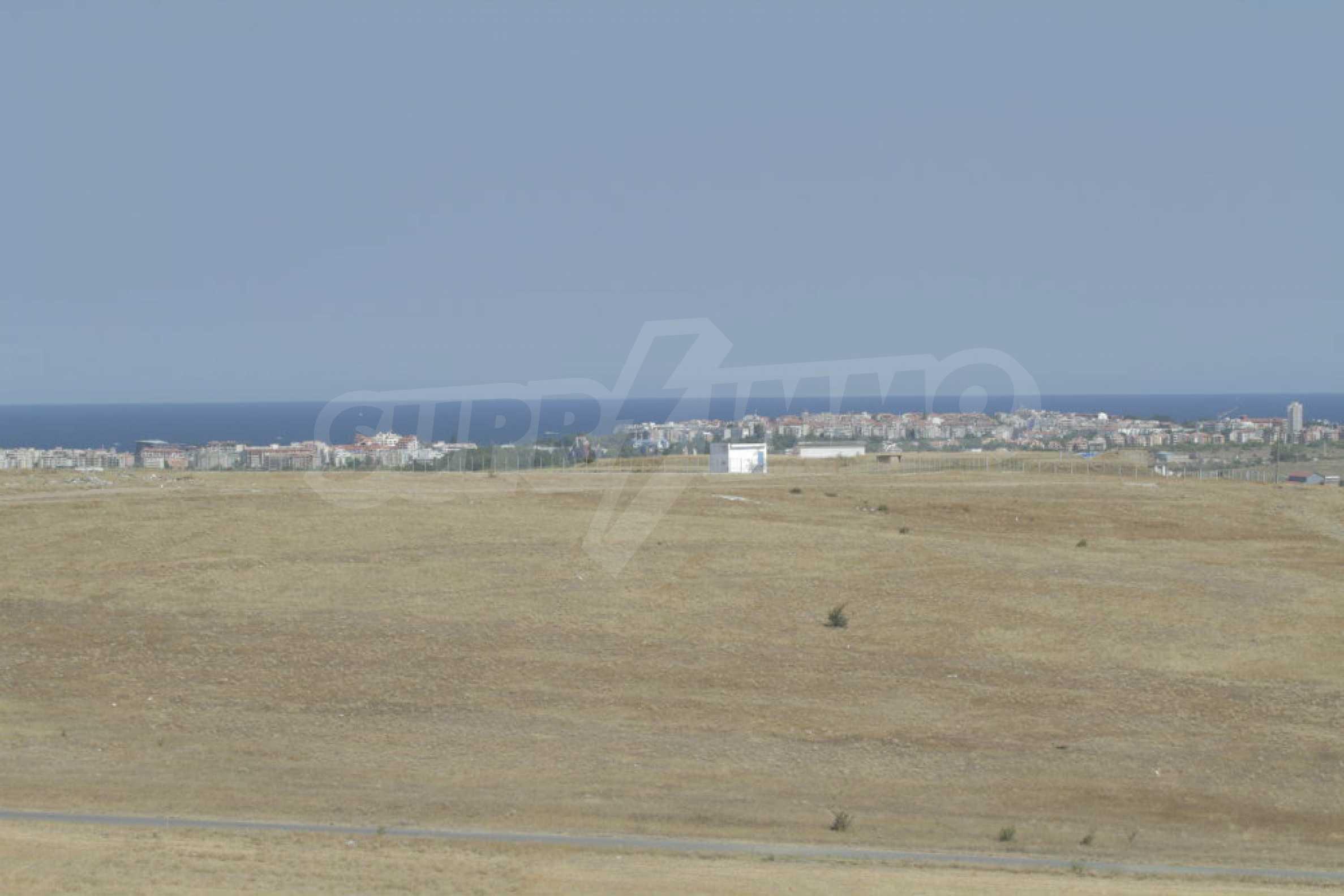 Парцел за инвестиция до исторически комплекс Ахелой 917, на няколко км от Слънчев бряг, до Тънково и Ахелой 26