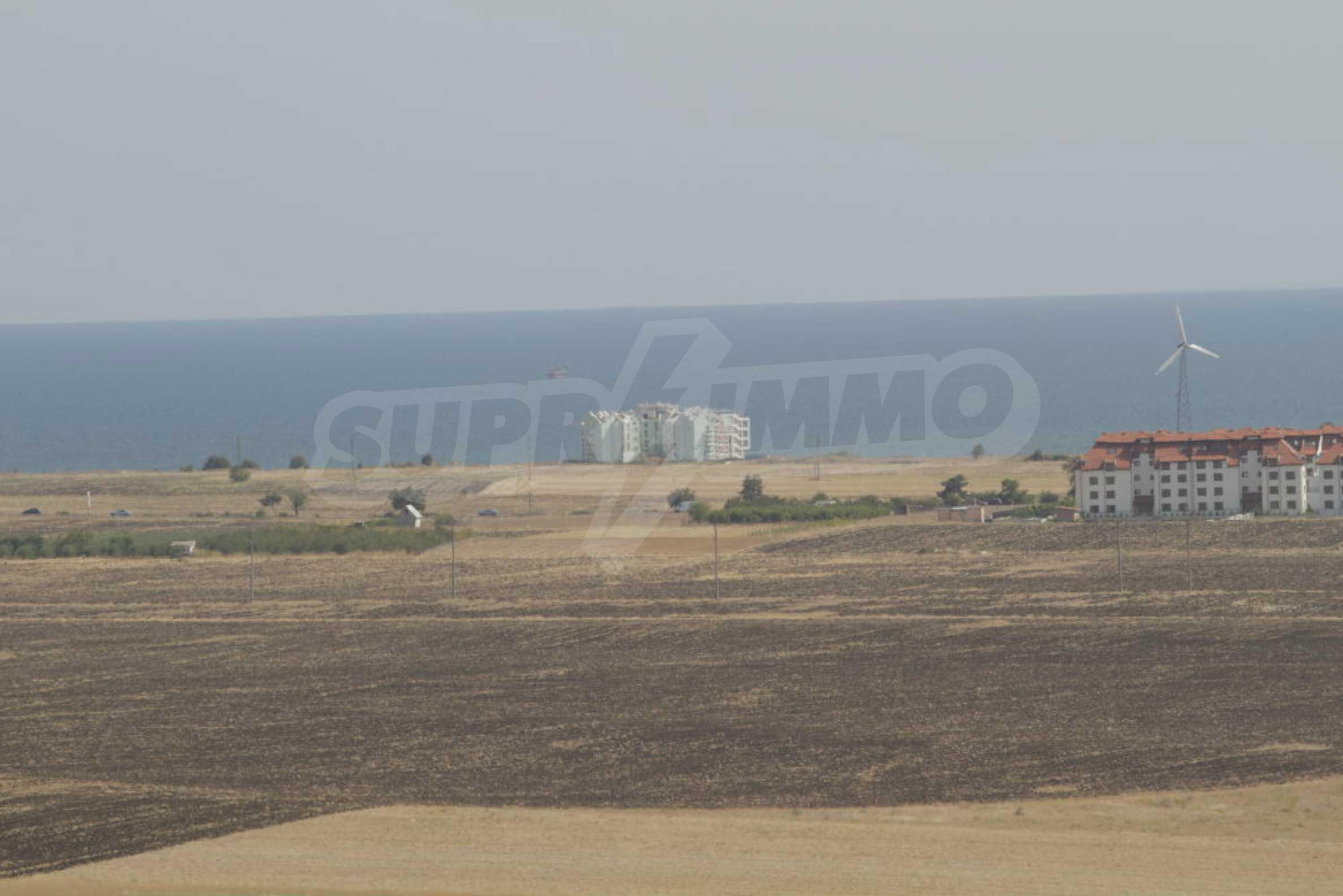 Парцел за инвестиция до исторически комплекс Ахелой 917, на няколко км от Слънчев бряг, до Тънково и Ахелой 27