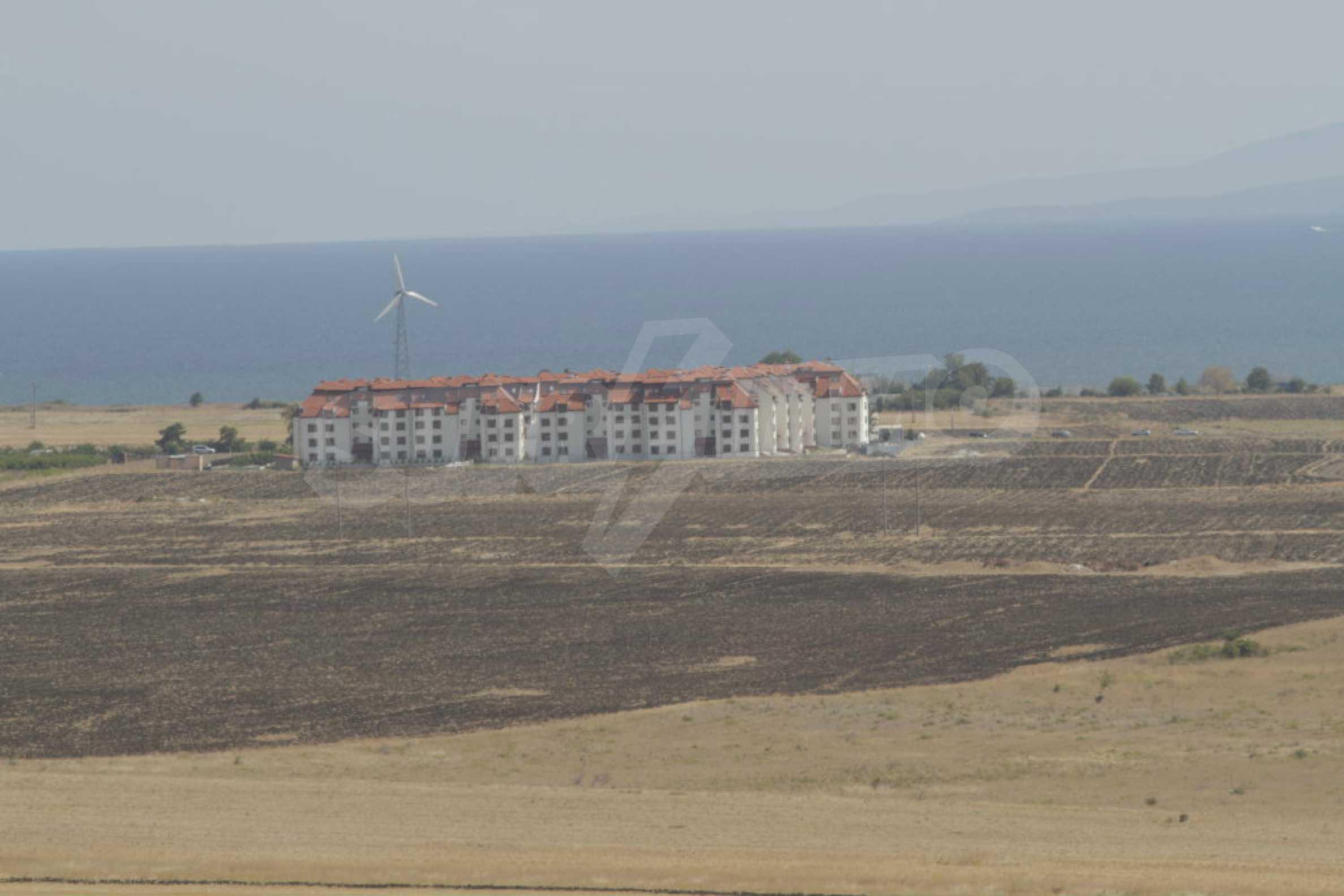 Парцел за инвестиция до исторически комплекс Ахелой 917, на няколко км от Слънчев бряг, до Тънково и Ахелой 28