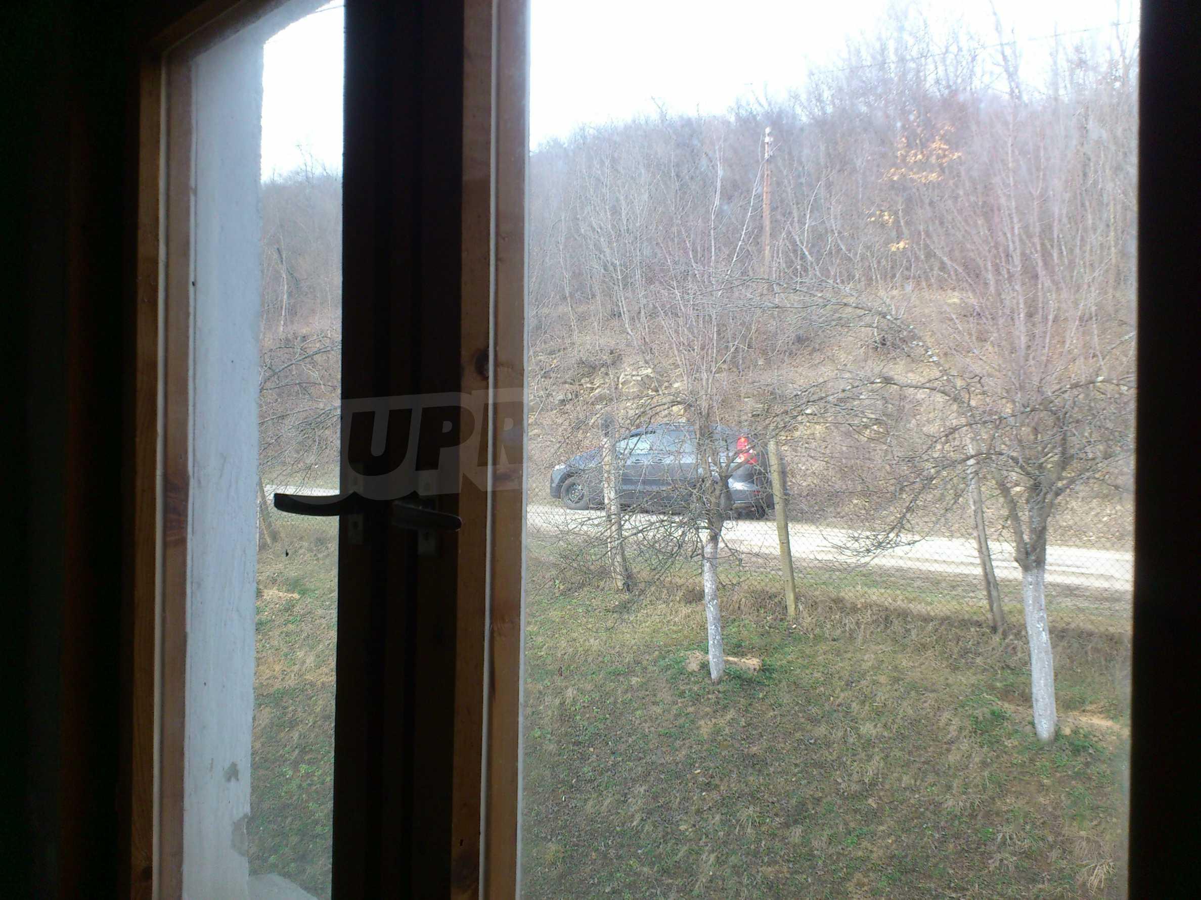 Dreistöckige Villa mit Garage am Flussufer und 32 km von Veliko Tarnovo entfernt 12