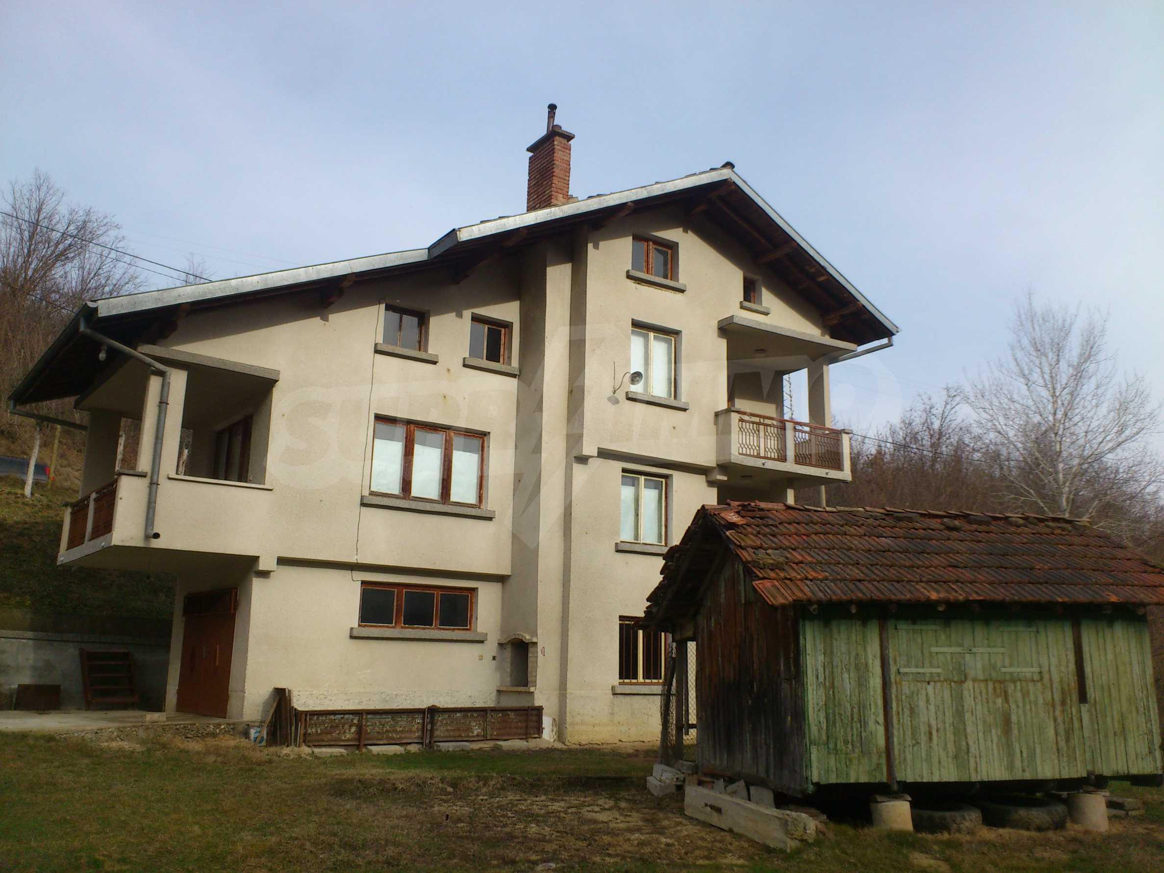 Dreistöckige Villa mit Garage am Flussufer und 32 km von Veliko Tarnovo entfernt 29