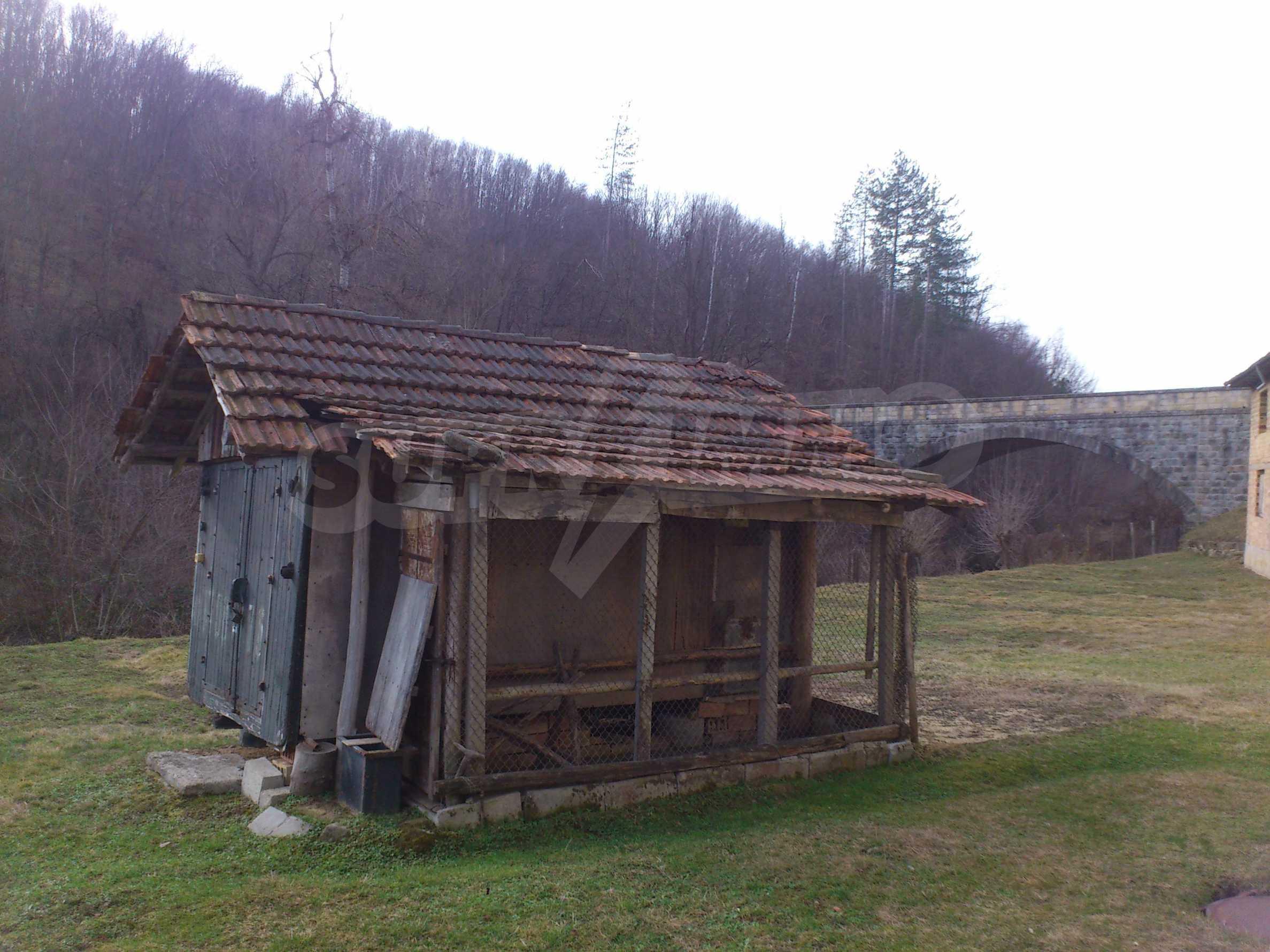Dreistöckige Villa mit Garage am Flussufer und 32 km von Veliko Tarnovo entfernt 34