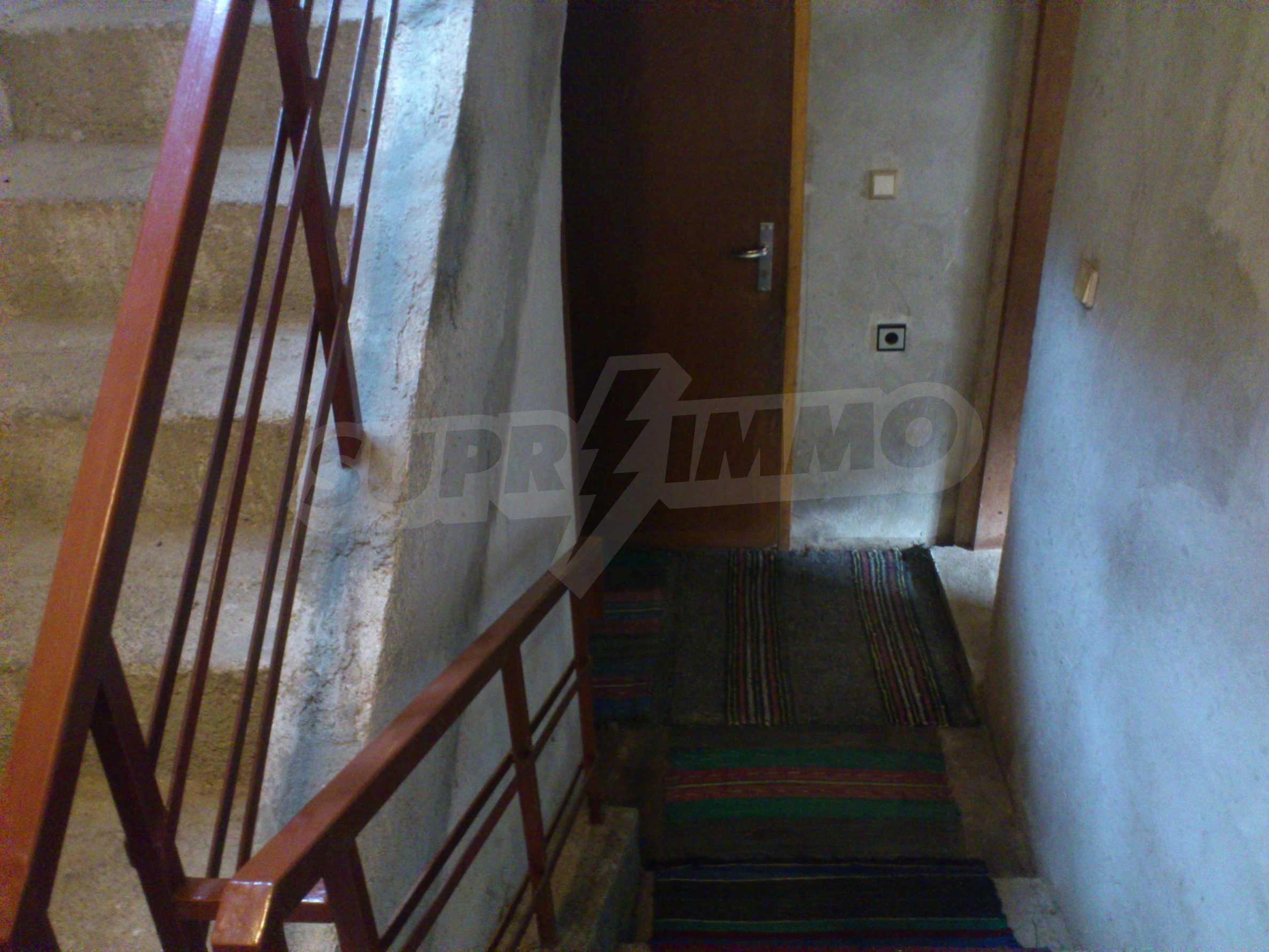 Dreistöckige Villa mit Garage am Flussufer und 32 km von Veliko Tarnovo entfernt 38