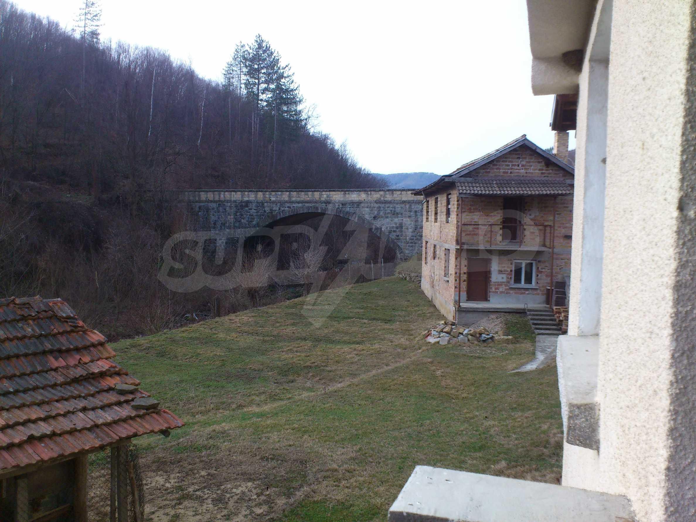 Dreistöckige Villa mit Garage am Flussufer und 32 km von Veliko Tarnovo entfernt 41