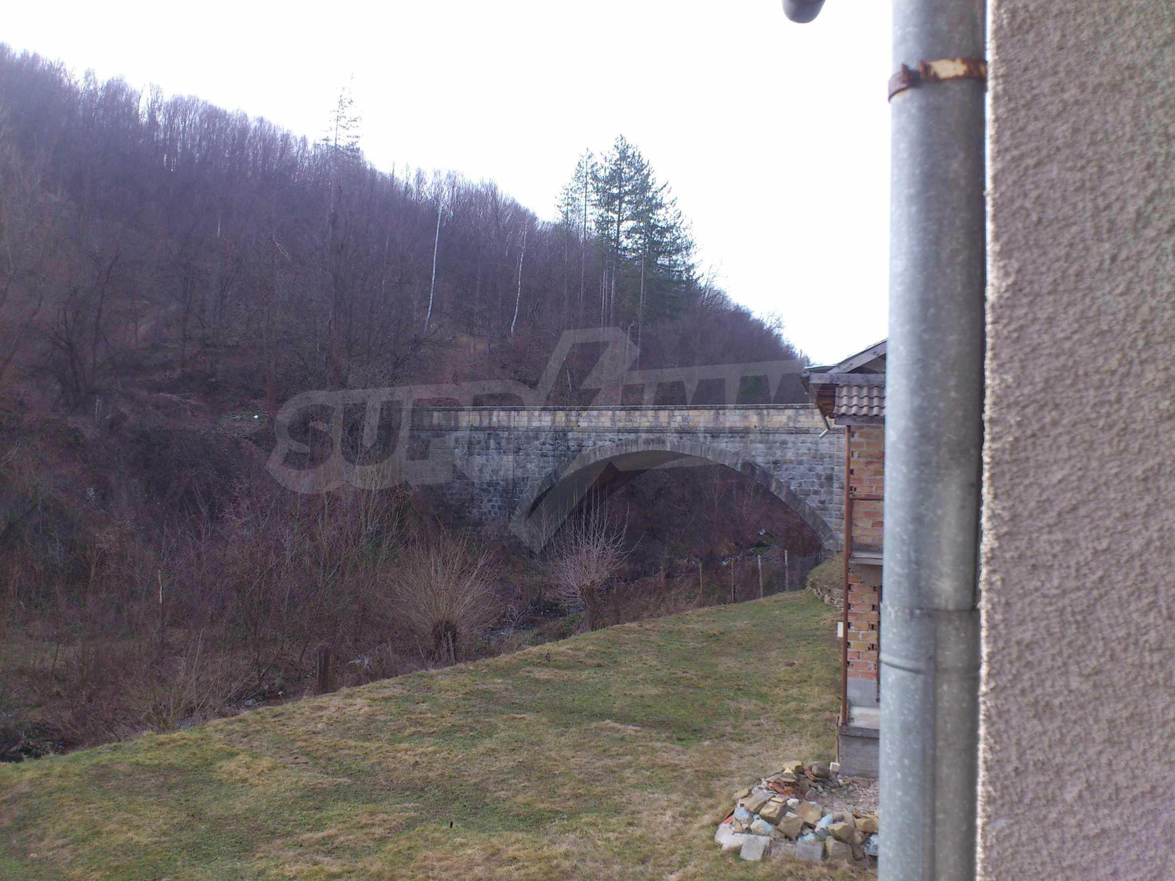 Dreistöckige Villa mit Garage am Flussufer und 32 km von Veliko Tarnovo entfernt 47