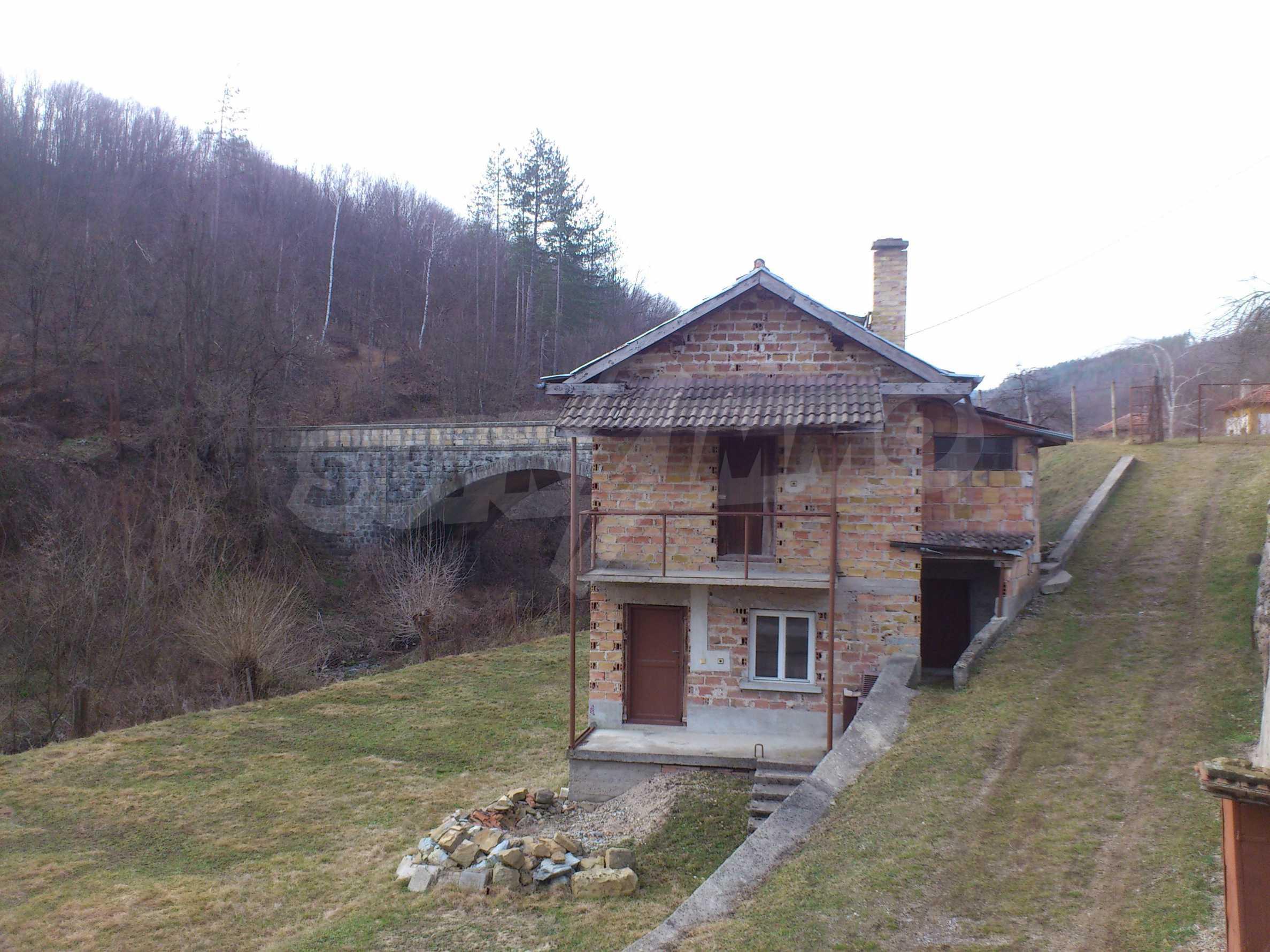 Dreistöckige Villa mit Garage am Flussufer und 32 km von Veliko Tarnovo entfernt 50