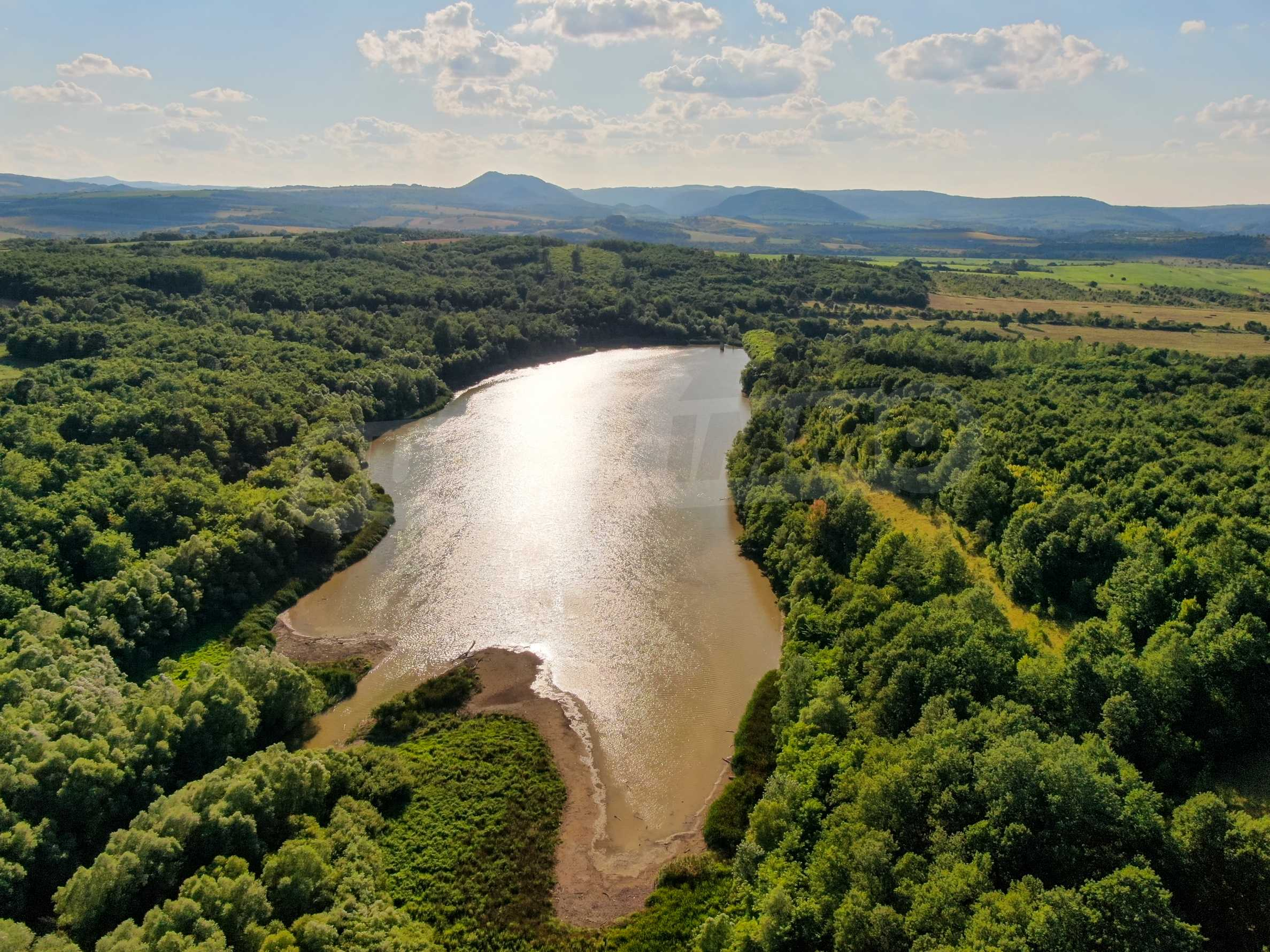 Private dam with land near Veliko Tarnovo