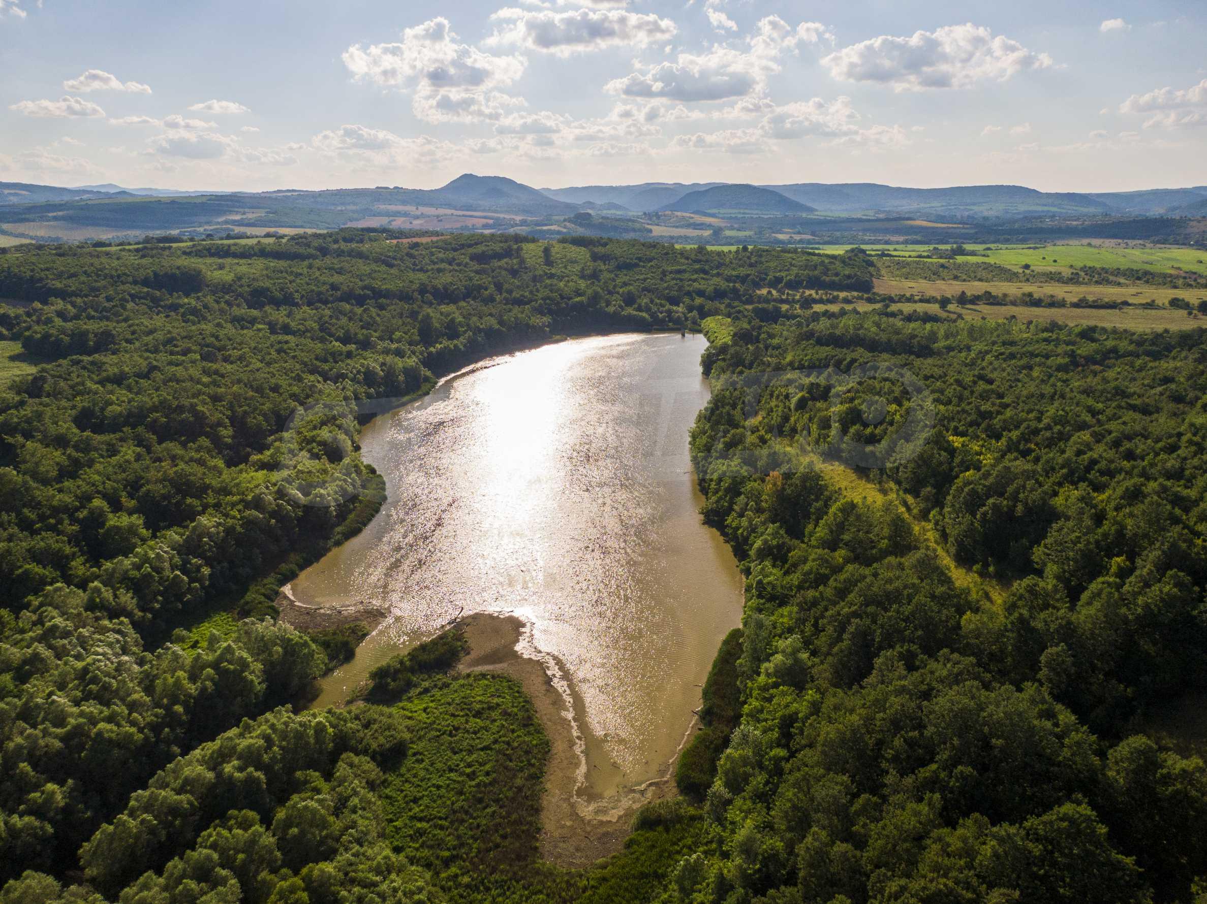 Private dam with land near Veliko Tarnovo 16