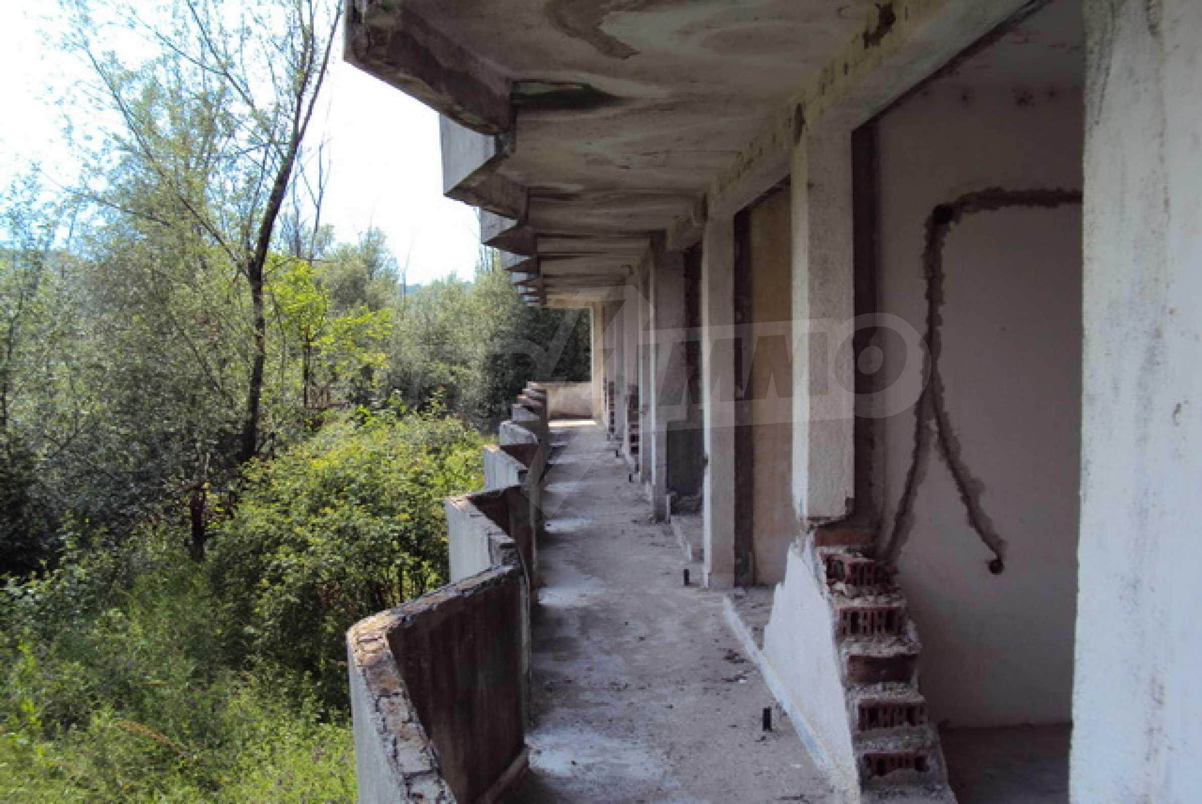 Продажа отеля/комплекса вблизи г. Велико Тырново 11