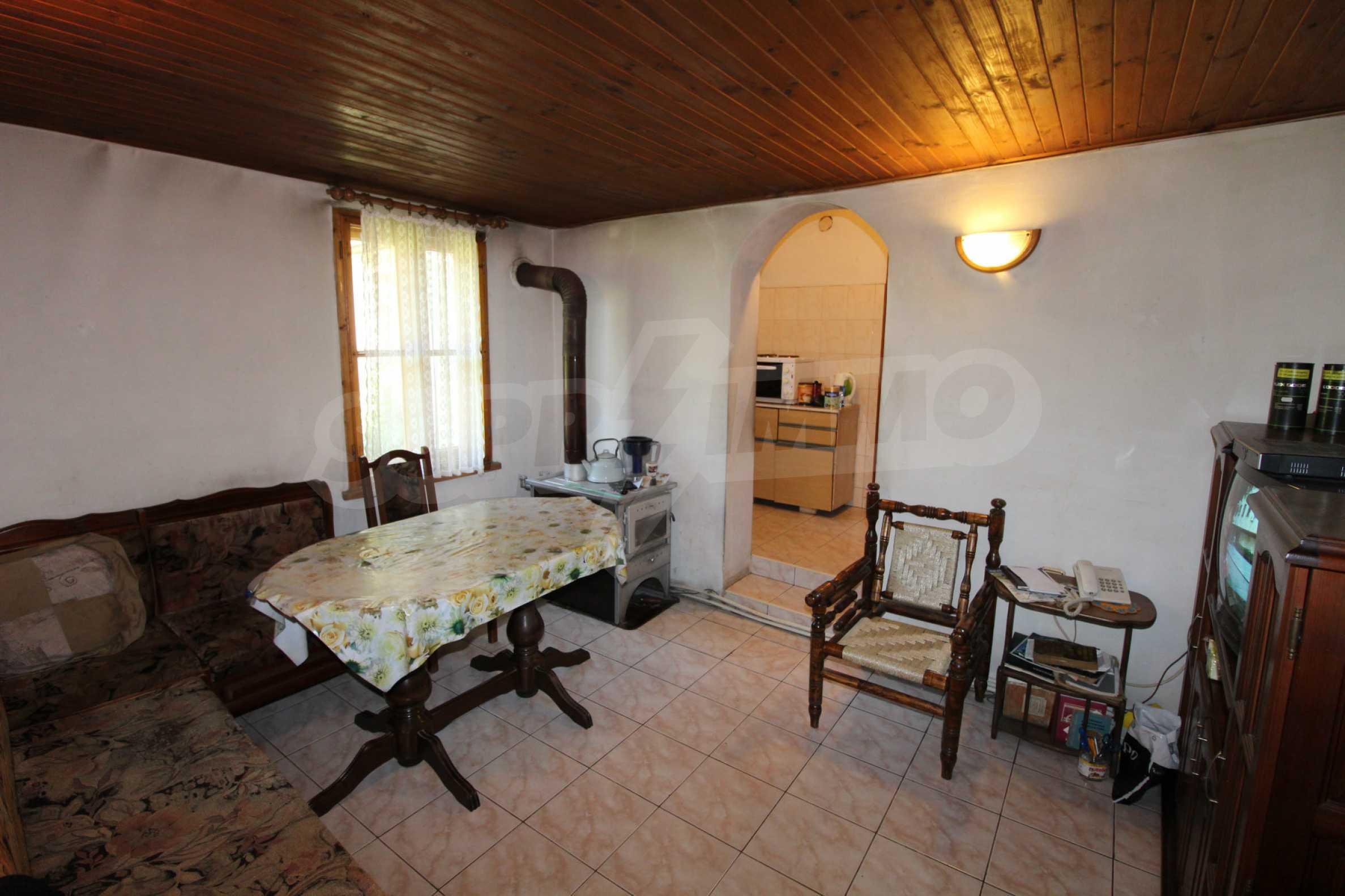 Голяма къща с механа на 6 км. от град  Велико Търново 15