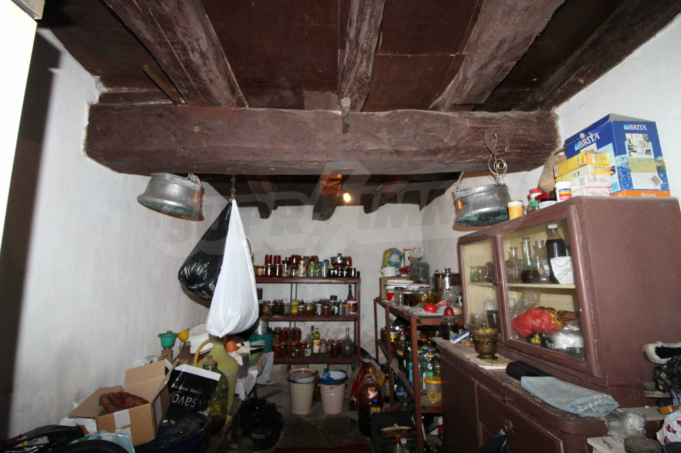 Голяма къща с механа на 6 км. от град  Велико Търново 16