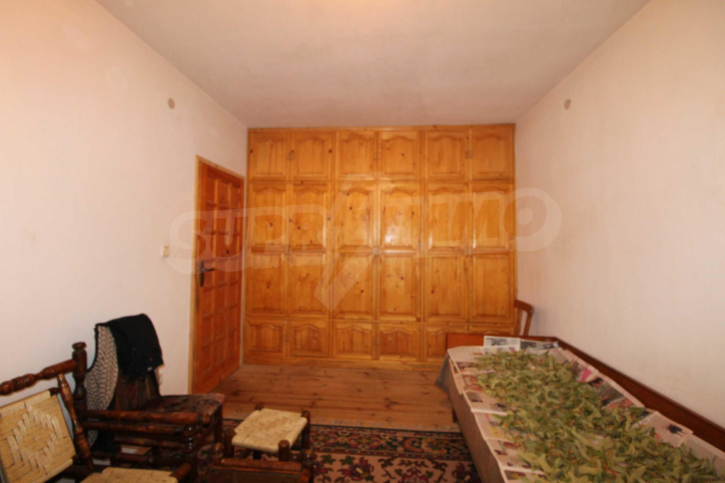 Голяма къща с механа на 6 км. от град  Велико Търново 19