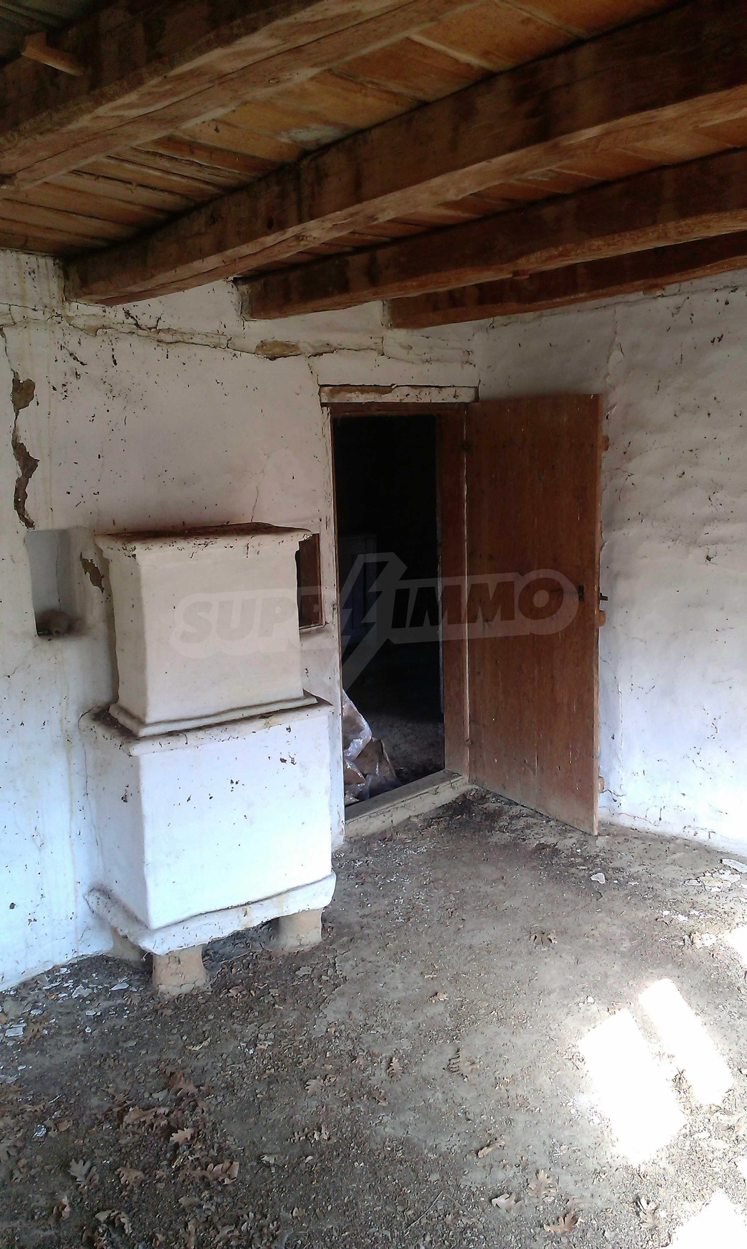 Двуетажна къща в красиво планинско село, до езеро 3